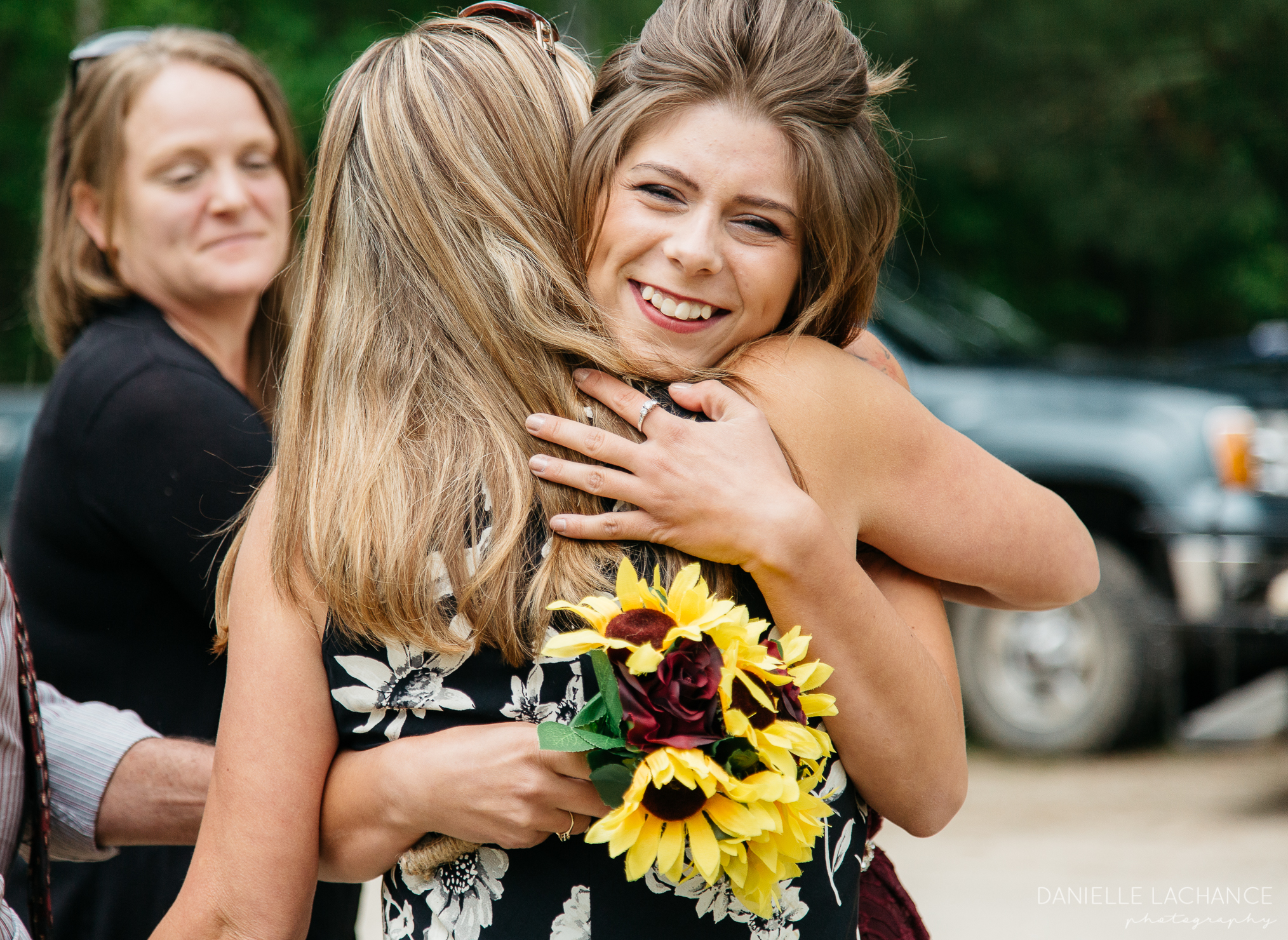 maine-wedding-guests-photographer-candids.jpg