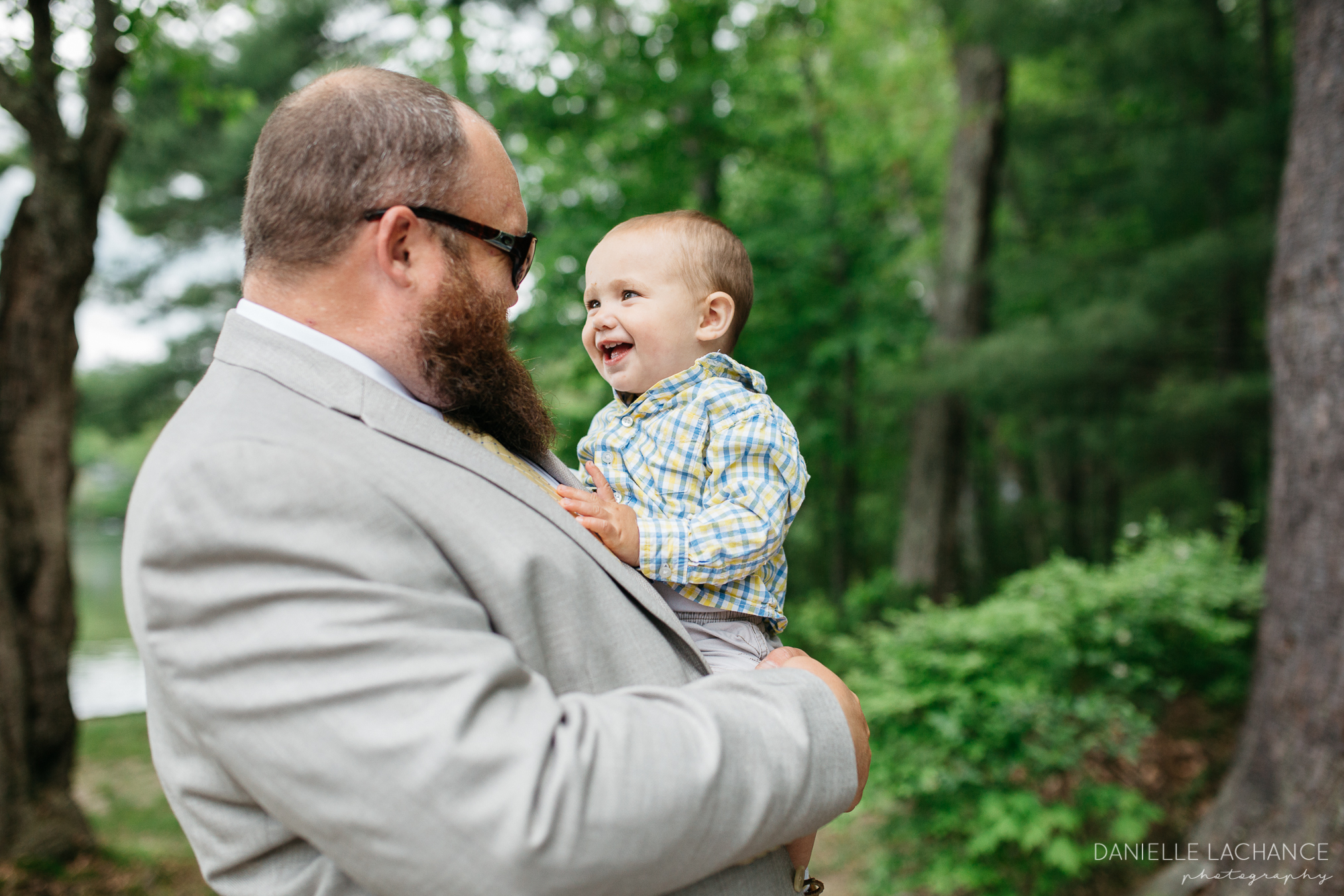 maine-wedding-photographer-candid-uncle-kids.jpg