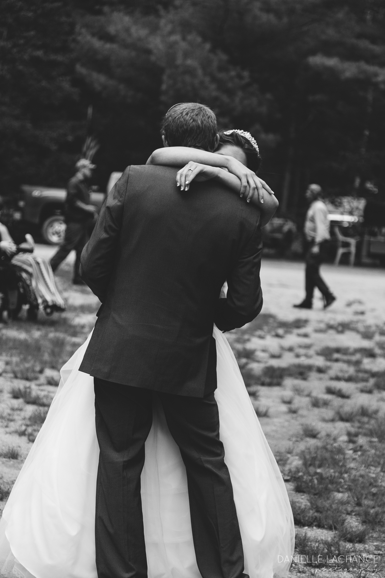 maine-wedding-photographer-first-dance-bride-groom.jpg