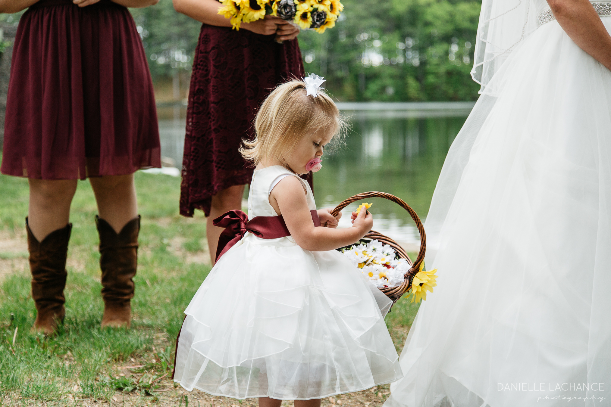 maine-wedding-photography-flower-girl.jpg