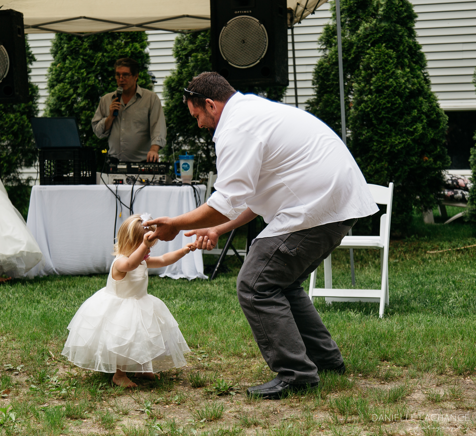 southern-maine-dancing-wedding-photographer.jpg