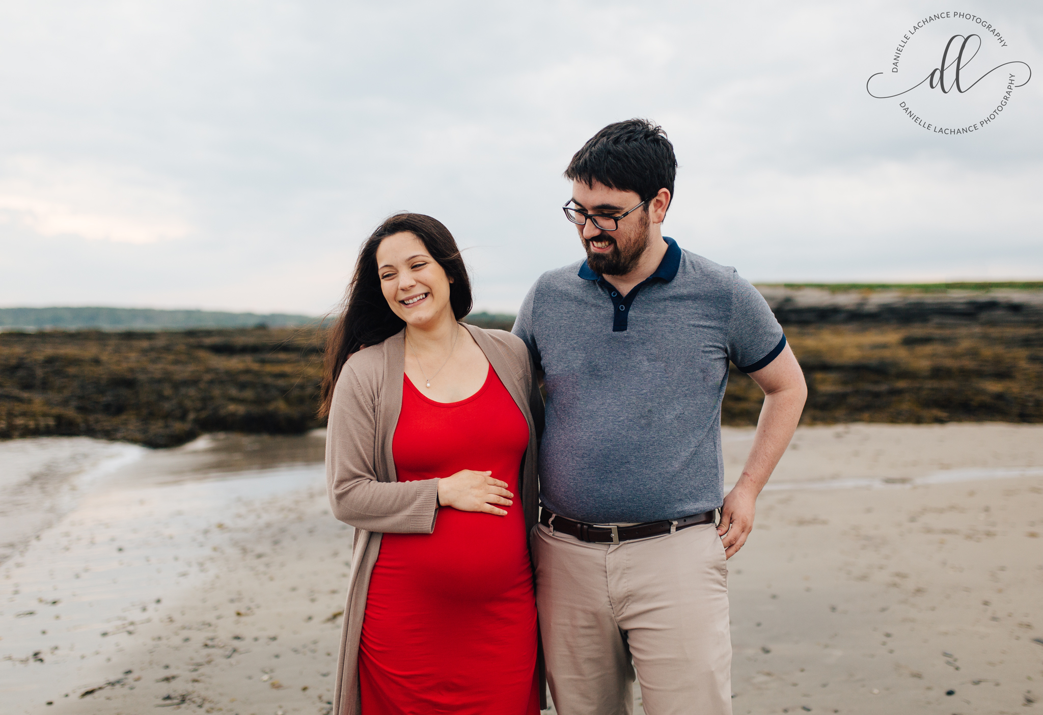 maine-maternity-photographer-southern-maine-beach-lifestyle-photography.jpg