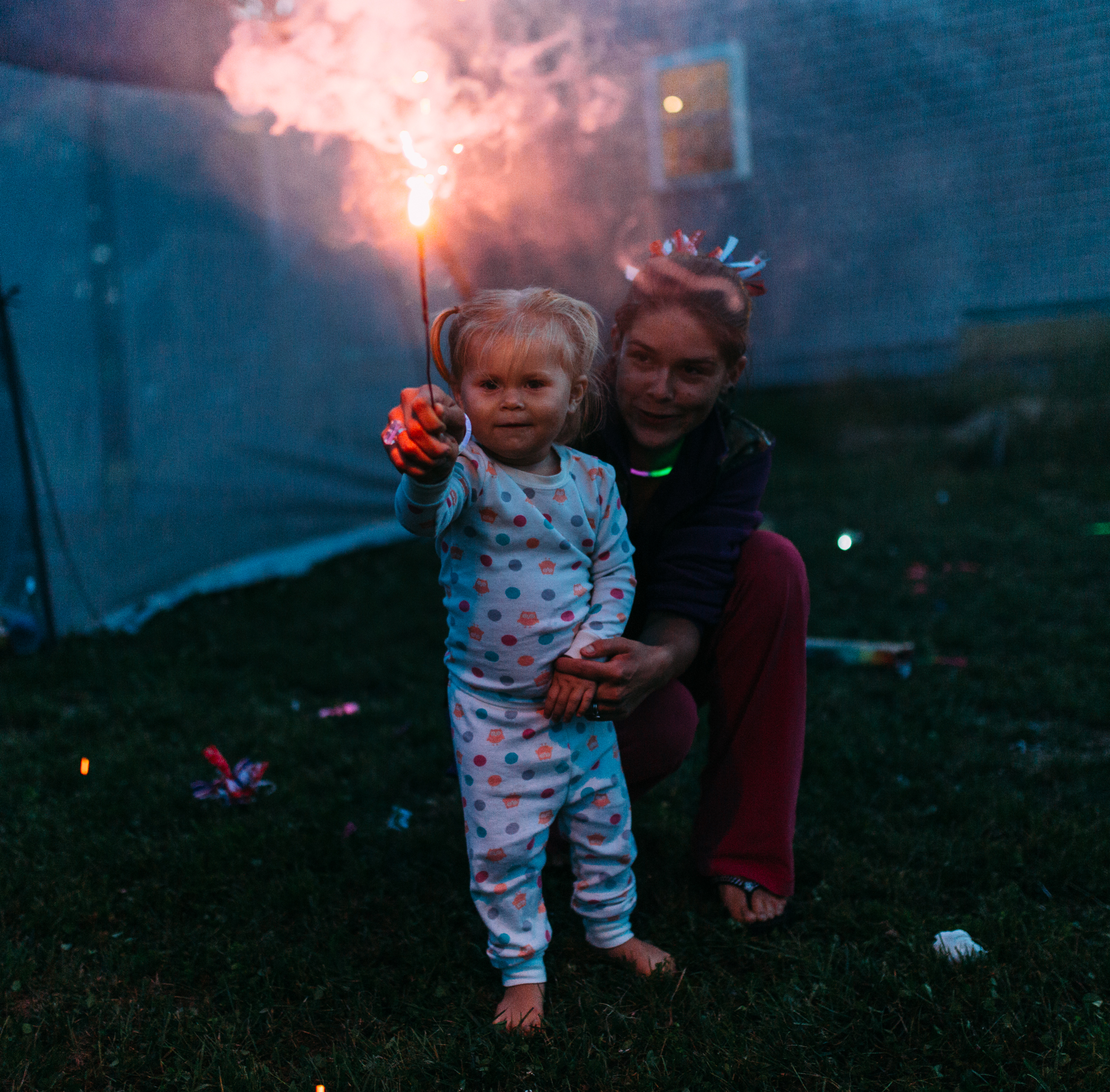 4th-july-fireworks-sparklers-documentary-family-party-photography-4.jpg