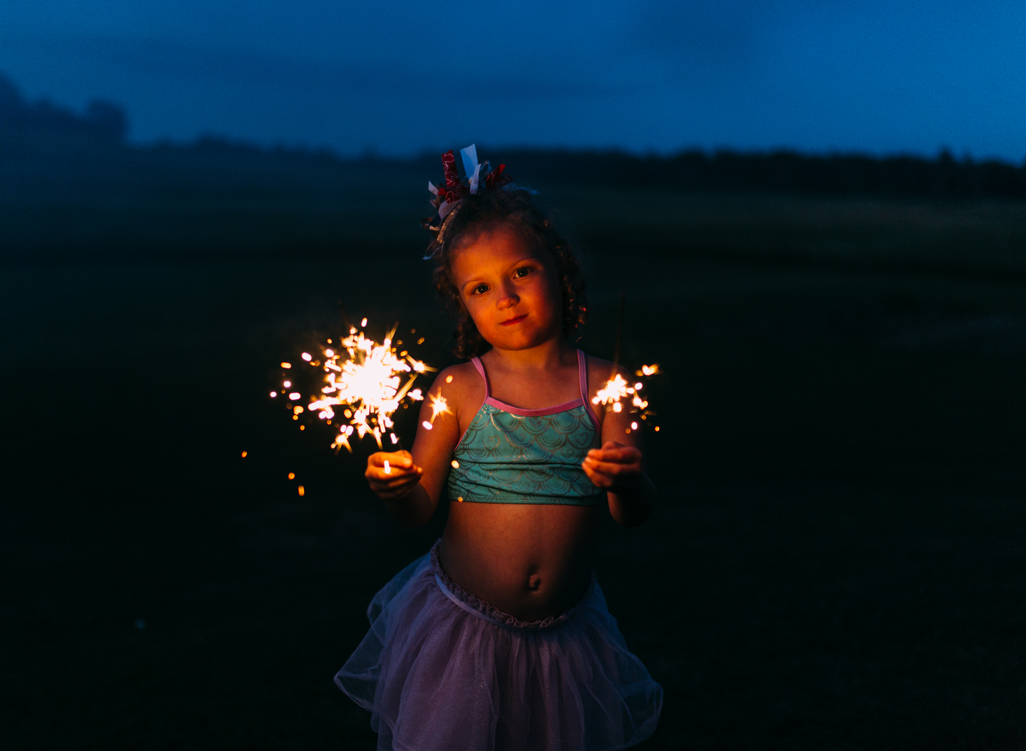 4th-july-fireworks-sparklers-documentary-family-party-photography-9.jpg