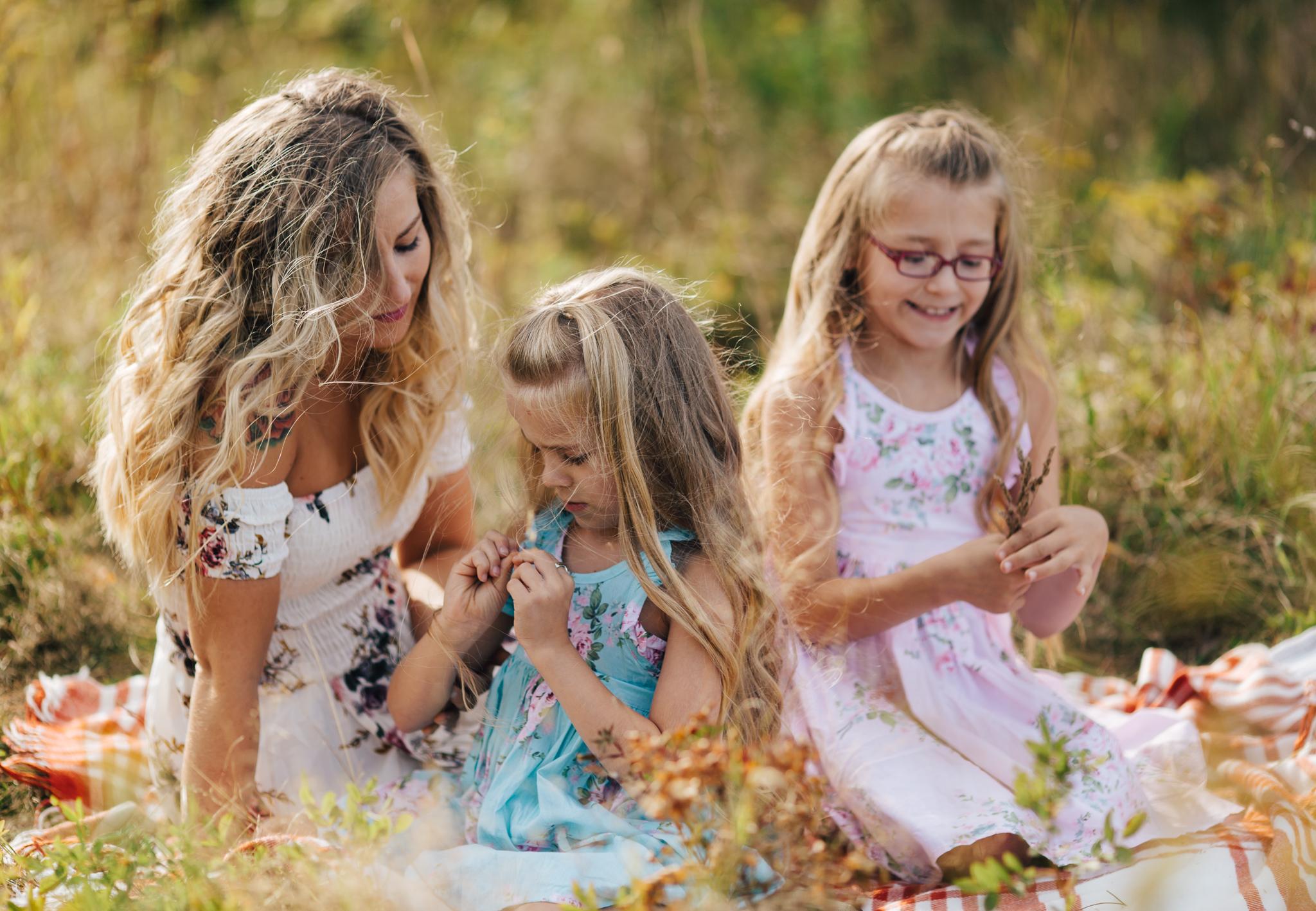 maine-mother-daughter-photographer-motherhood-family-lifestyle-photography-2.jpg