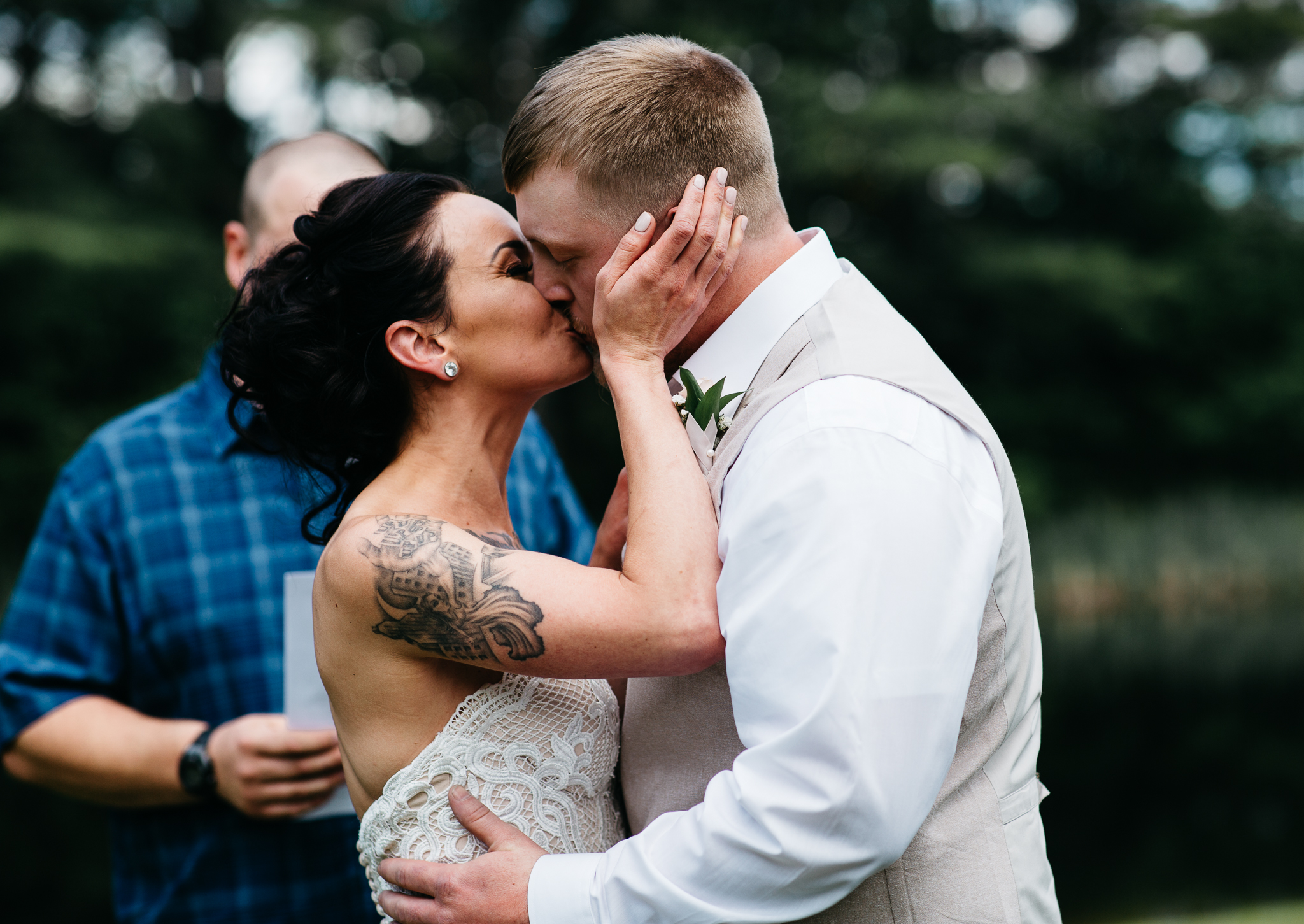 maine-bride-groom-wedding-first kiss-barn-summer-photography.jpg