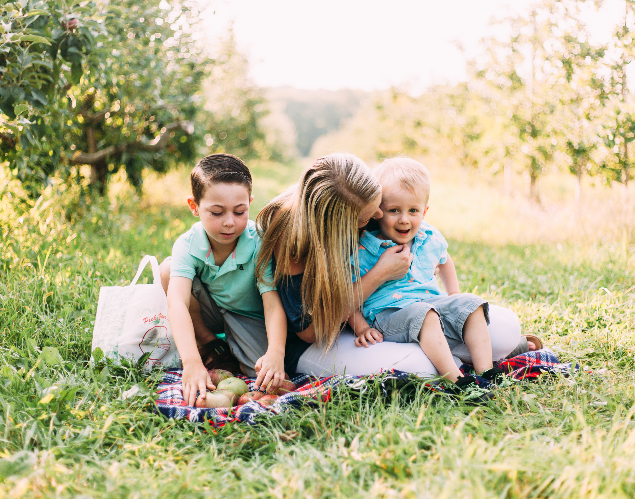 southern-maine-apple-orchard-mommy-and-me-session-mcdougal-orchards.jpg