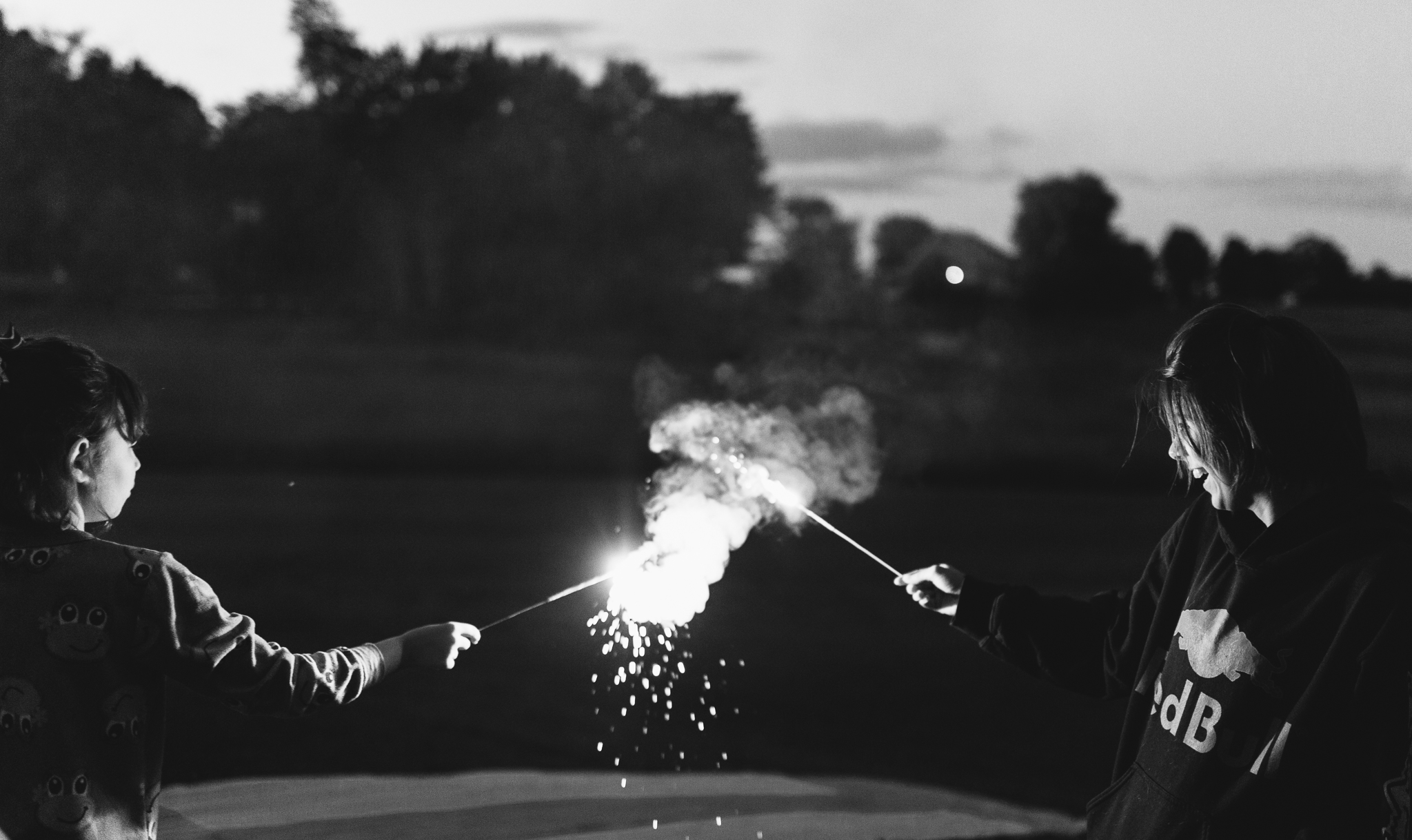 4th-july-fireworks-sparklers-documentary-family-party-photography-3.jpg