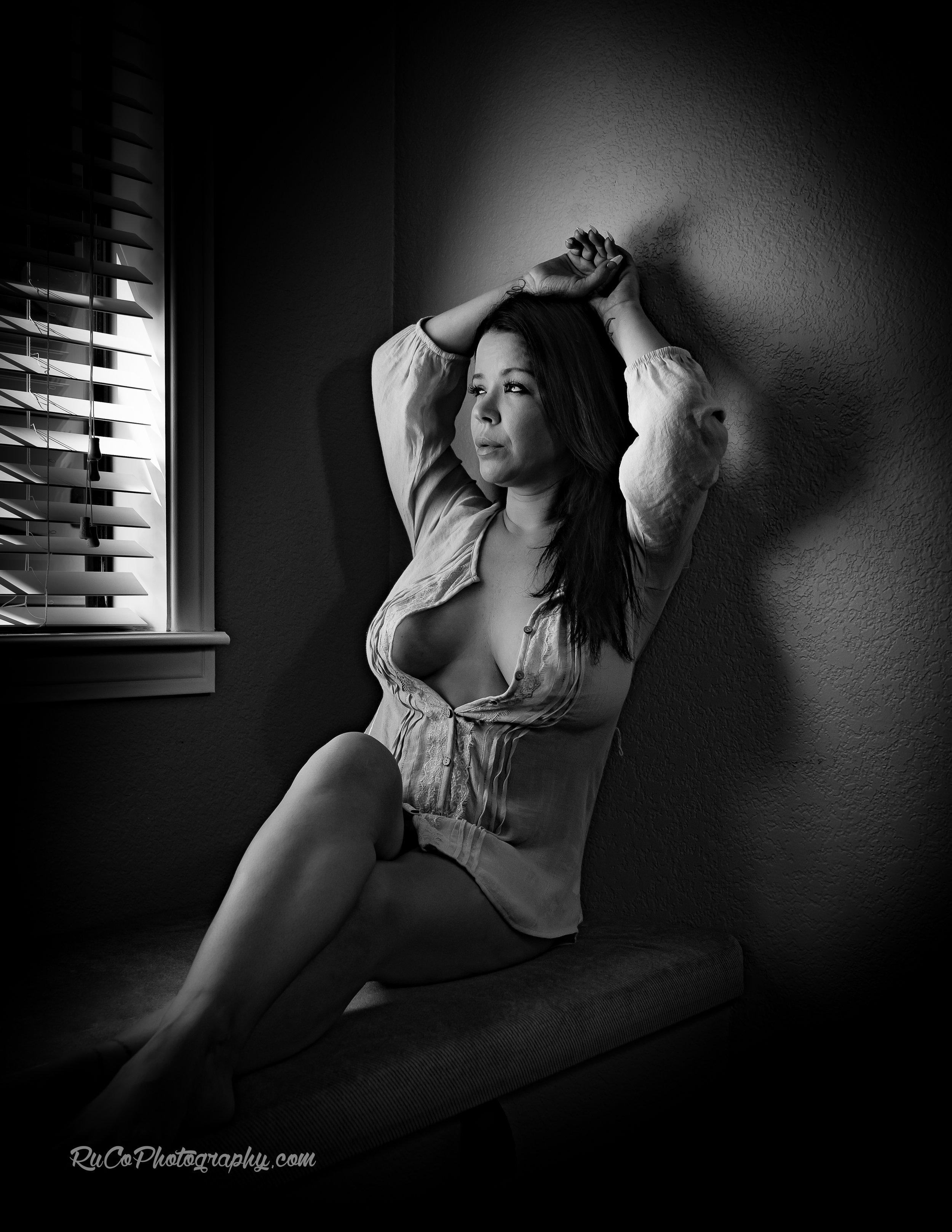 Sonya_boudoir_Window_PGL.jpg