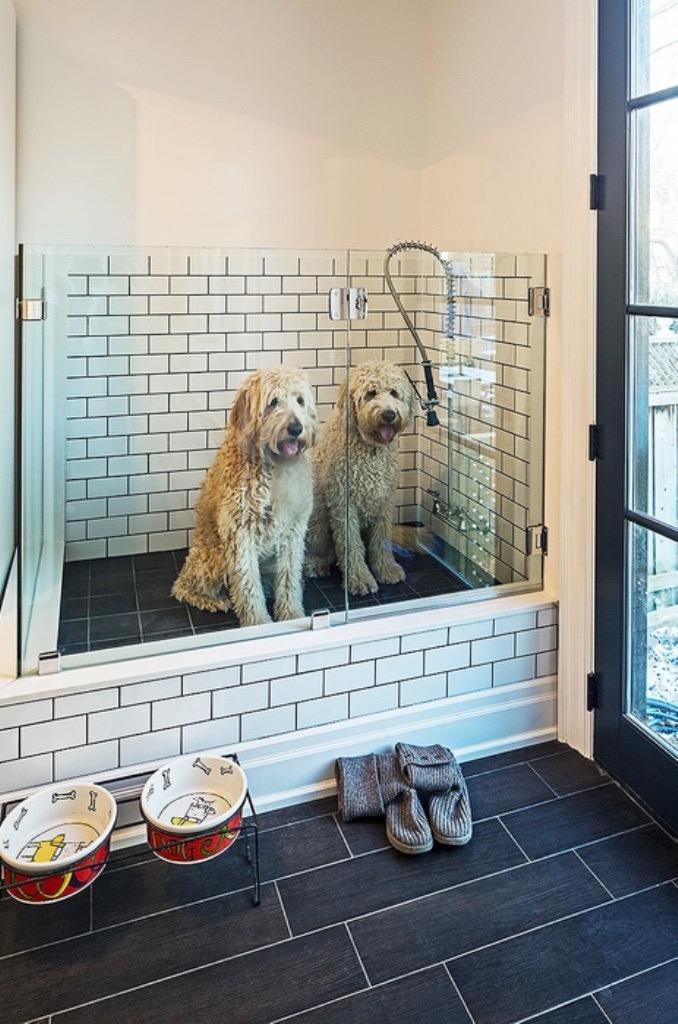 via : http://www.houzz.com/photos/8235452/Home-in-Toronto-8-contemporary-laundry-room-toronto