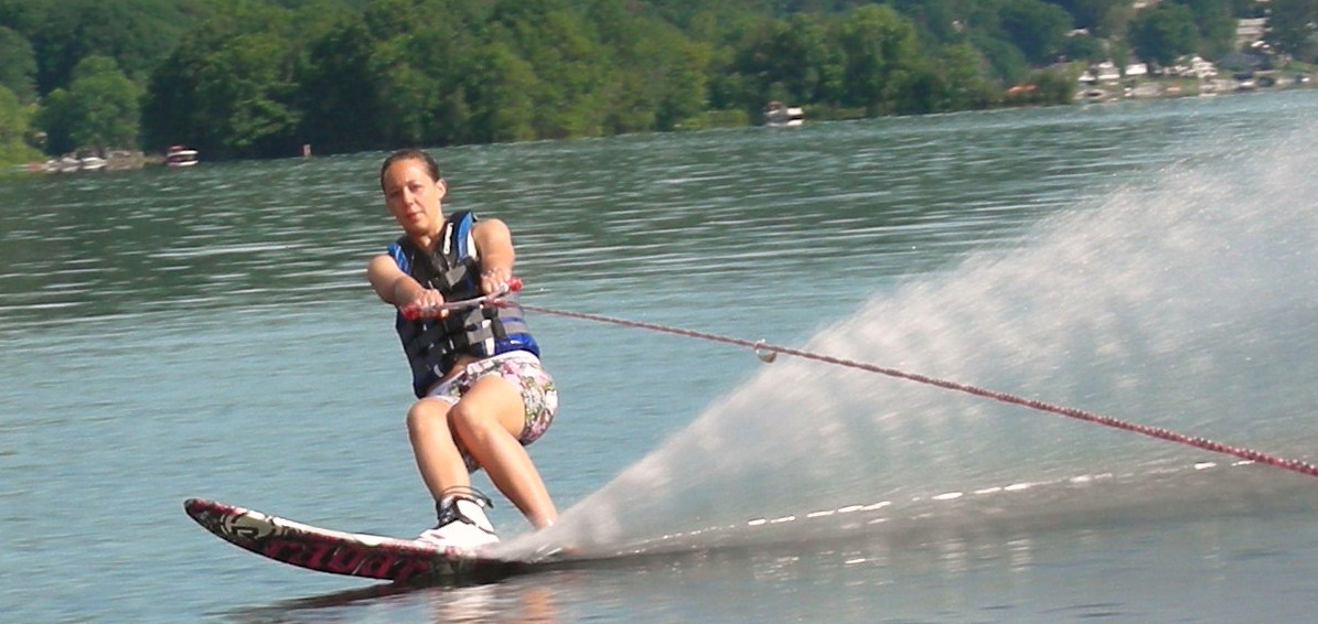 Lakeside Waterskiing.jpg