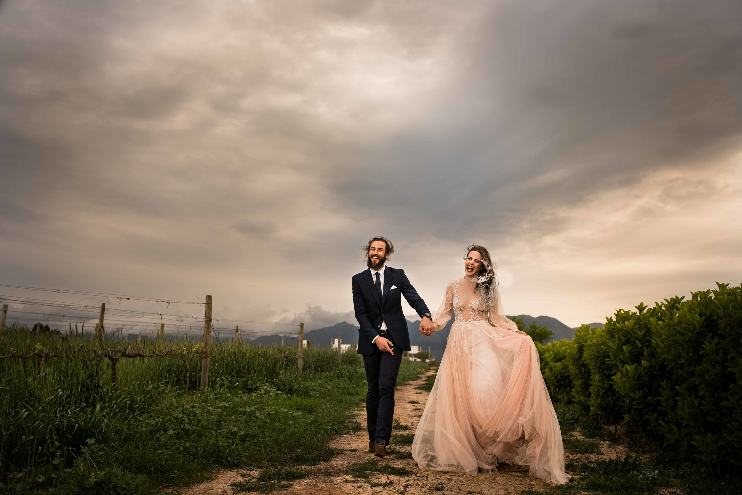 #weddingphotography #destinationweddings #winelandwedding #summerheartphotography #coupleportraits #weddingmoments