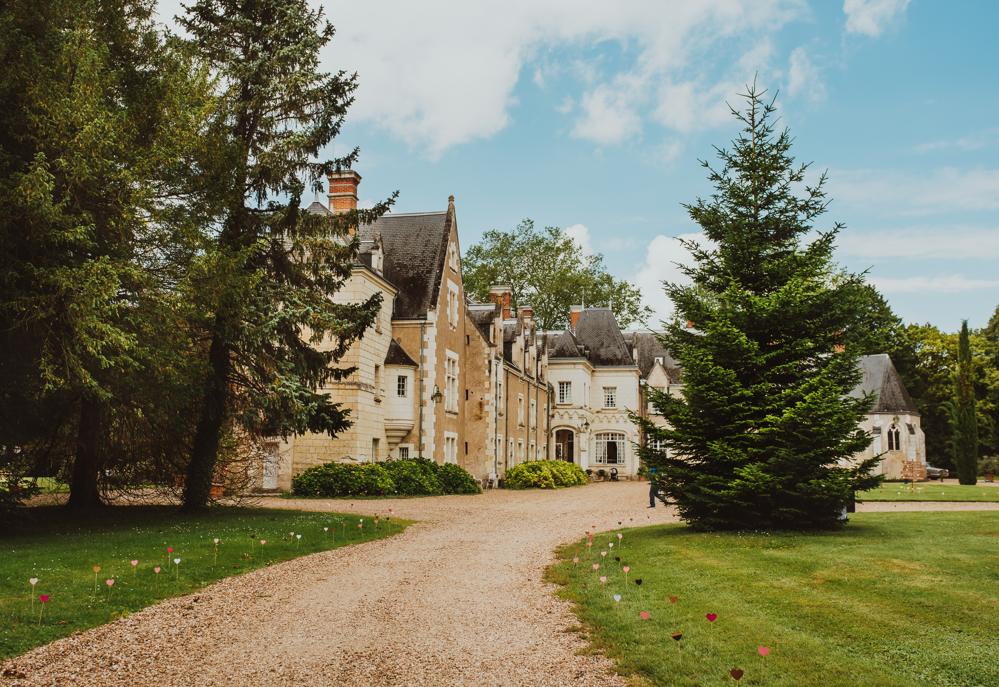 """Chateau de Razay"", France  #weddingphotography #destinationweddingphotographer #summerheartphotography #chateauderazay #europesummerwedding"