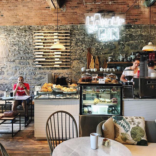 378 Rue Sait Paul O, Montréal || #coffeeshopinteriors