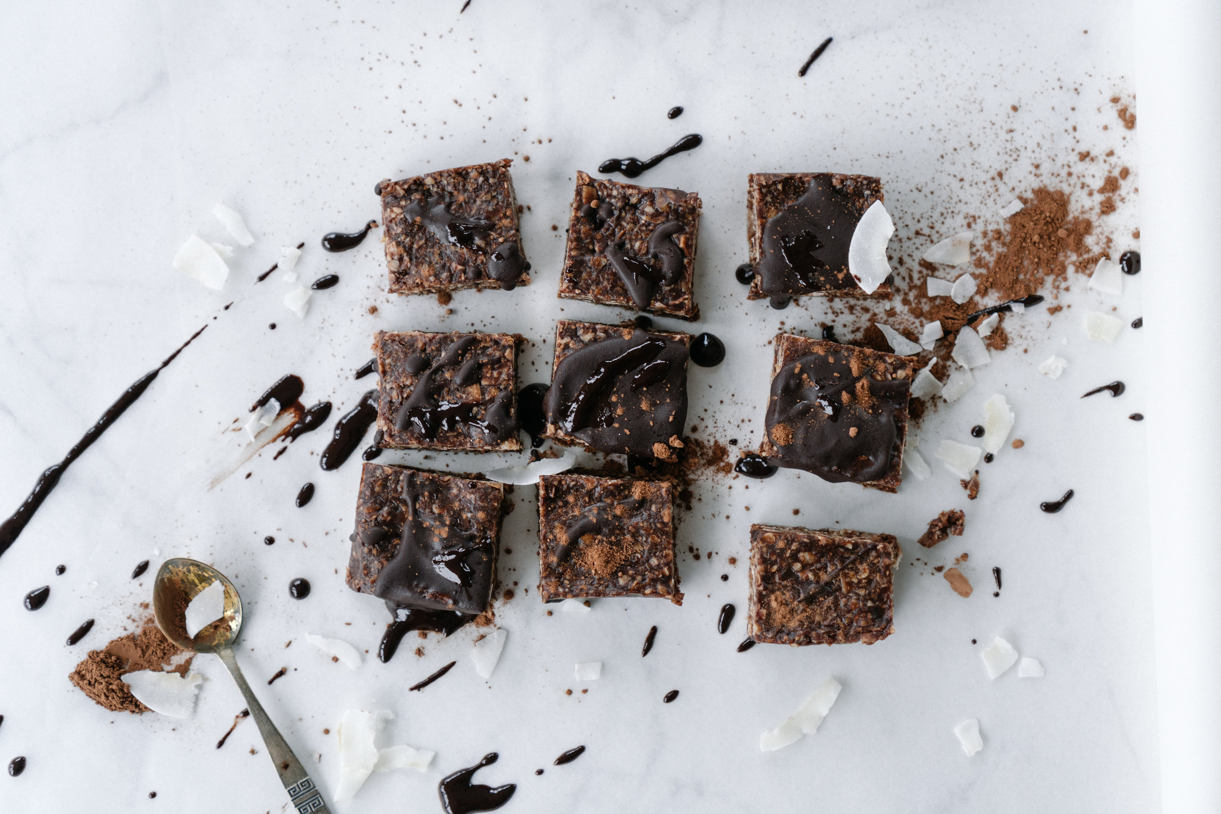 Vegan_Chocolate_Oat_Bars_with_Coconut-2.jpg