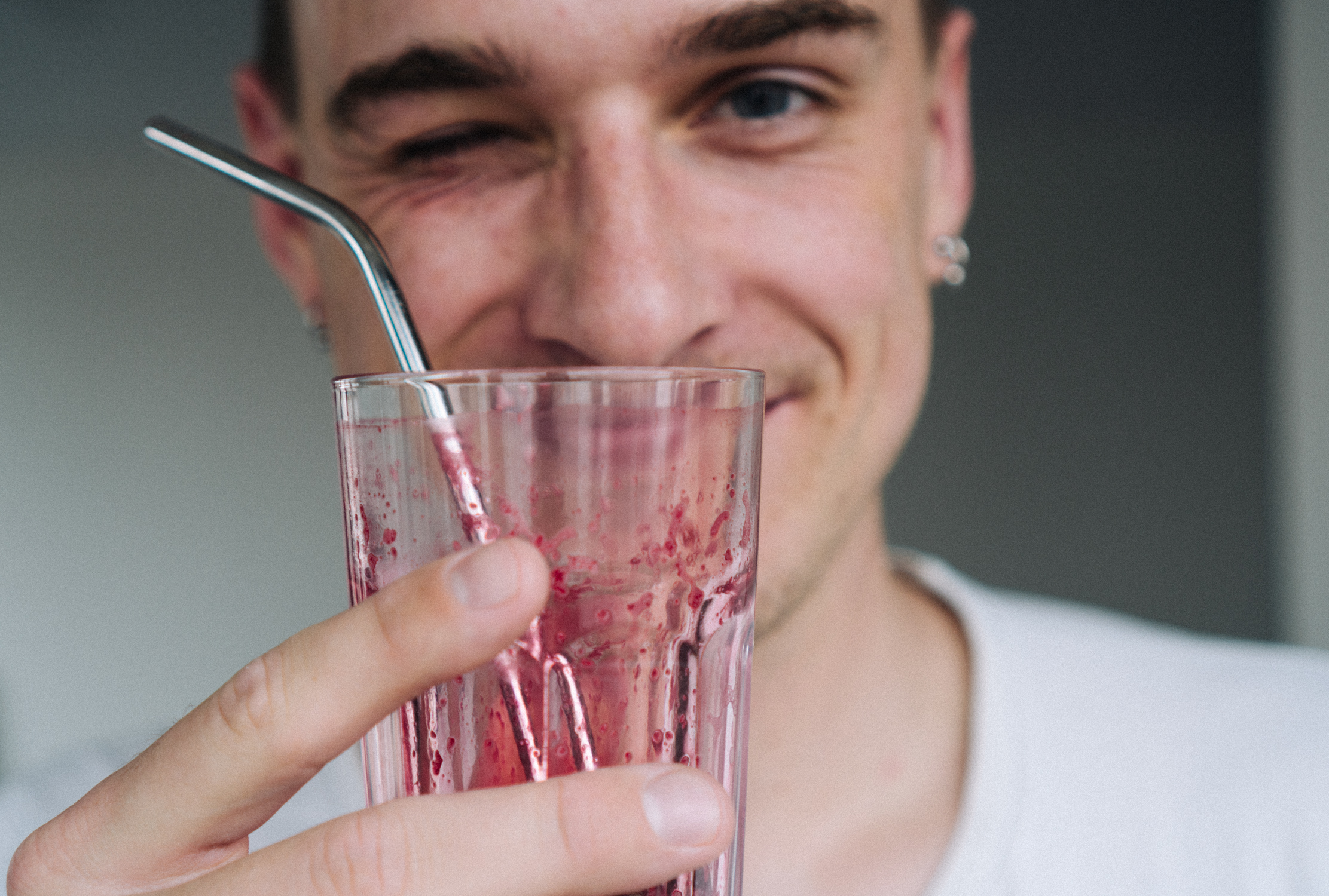 cold_pressed_beet_apple_and_carrot_juice-5.jpg