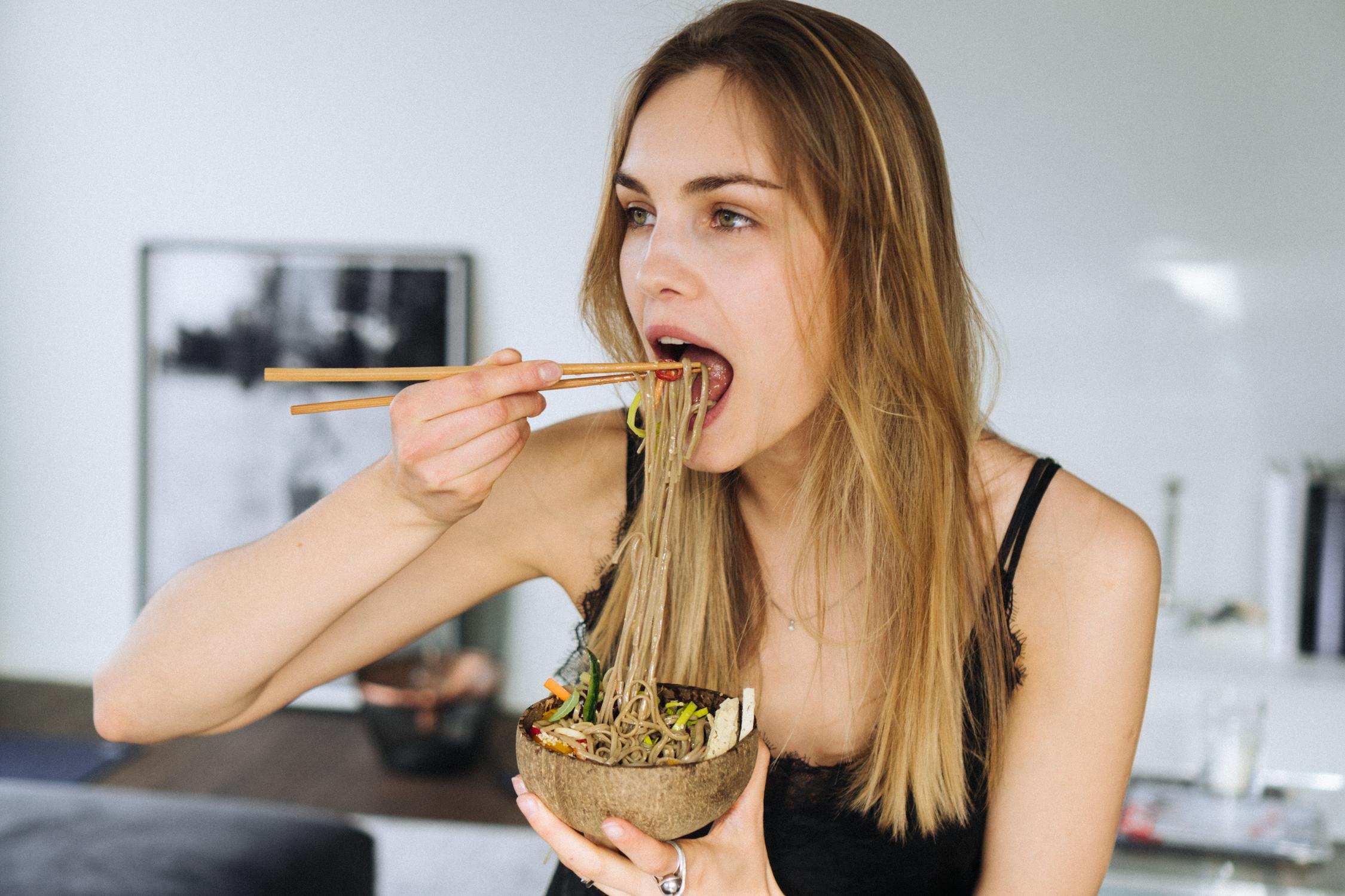 15_minute_buckwheat_noodle_veggie_bowls_with_tahini_soy_dressing-10.jpg