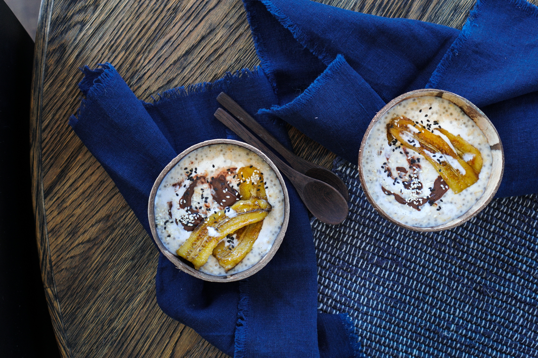 caramelized_banana_and_chocolate_tahini_oatmeal_with_chia-2.jpg