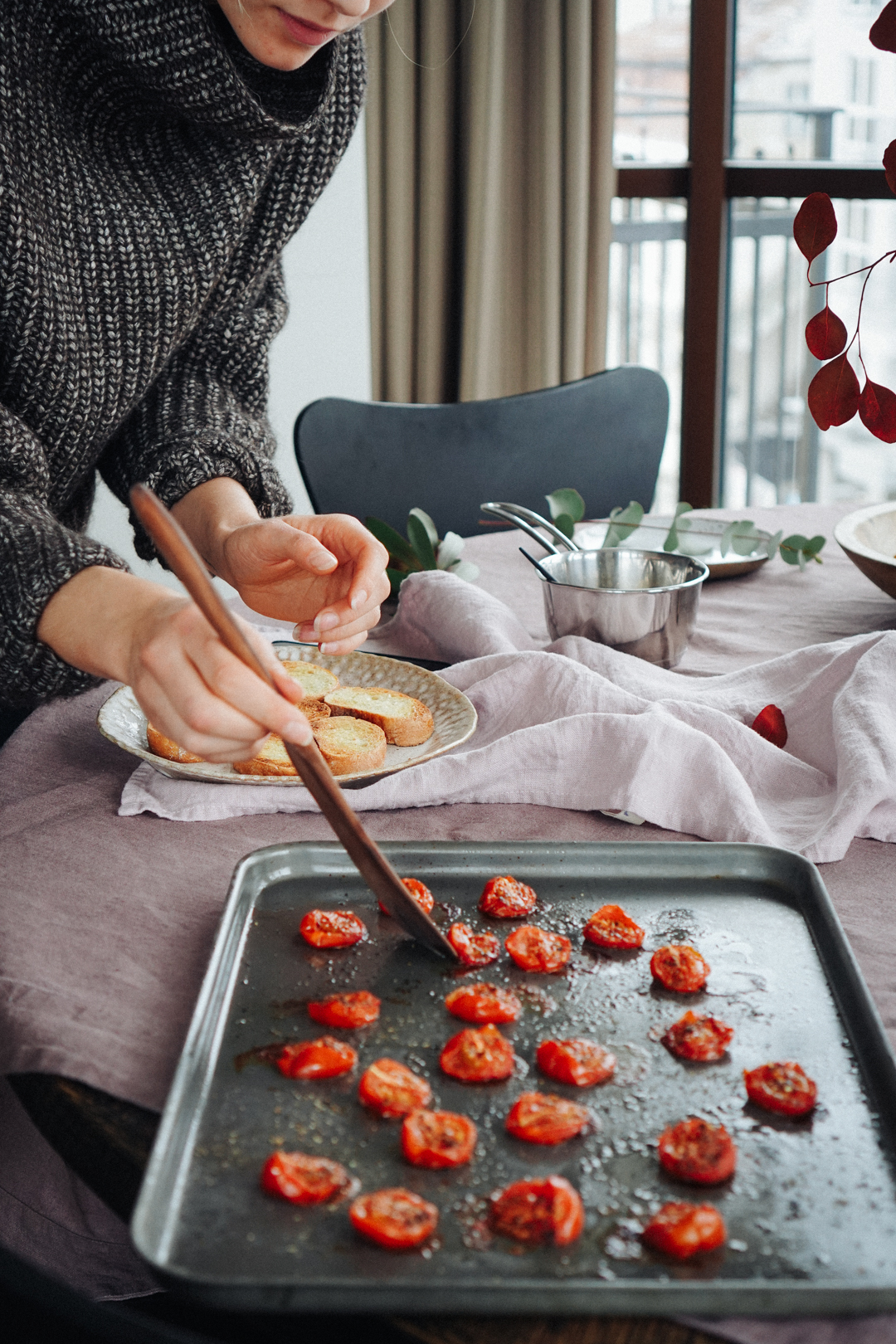roasted_cherry_tomato_bruschettas_with_balsamic_glaze_smaller-3.jpg