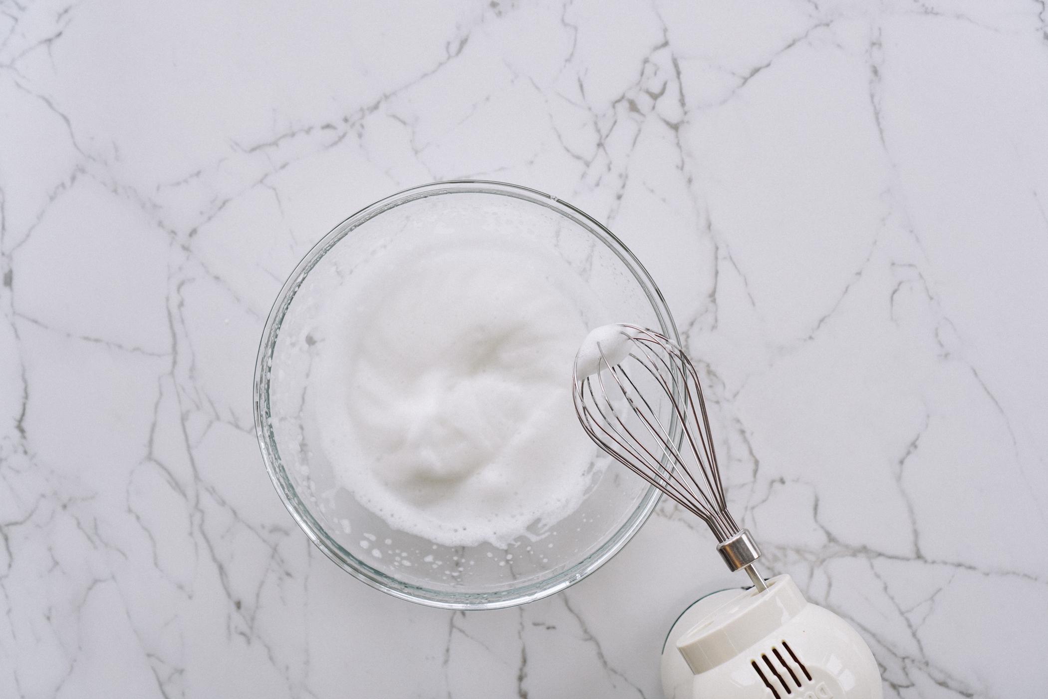 vegan_citrus_pavlova_with_coconut_cream_and_thyme-26.jpg