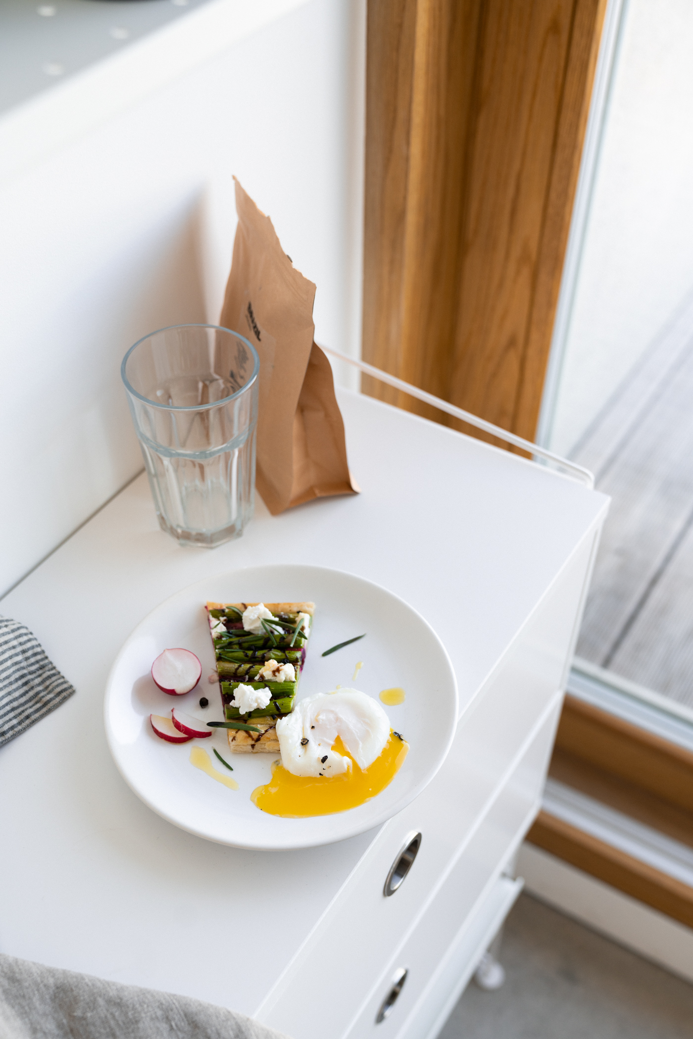 asparagus_beet_and_goat_cheese_tart-7.jpg