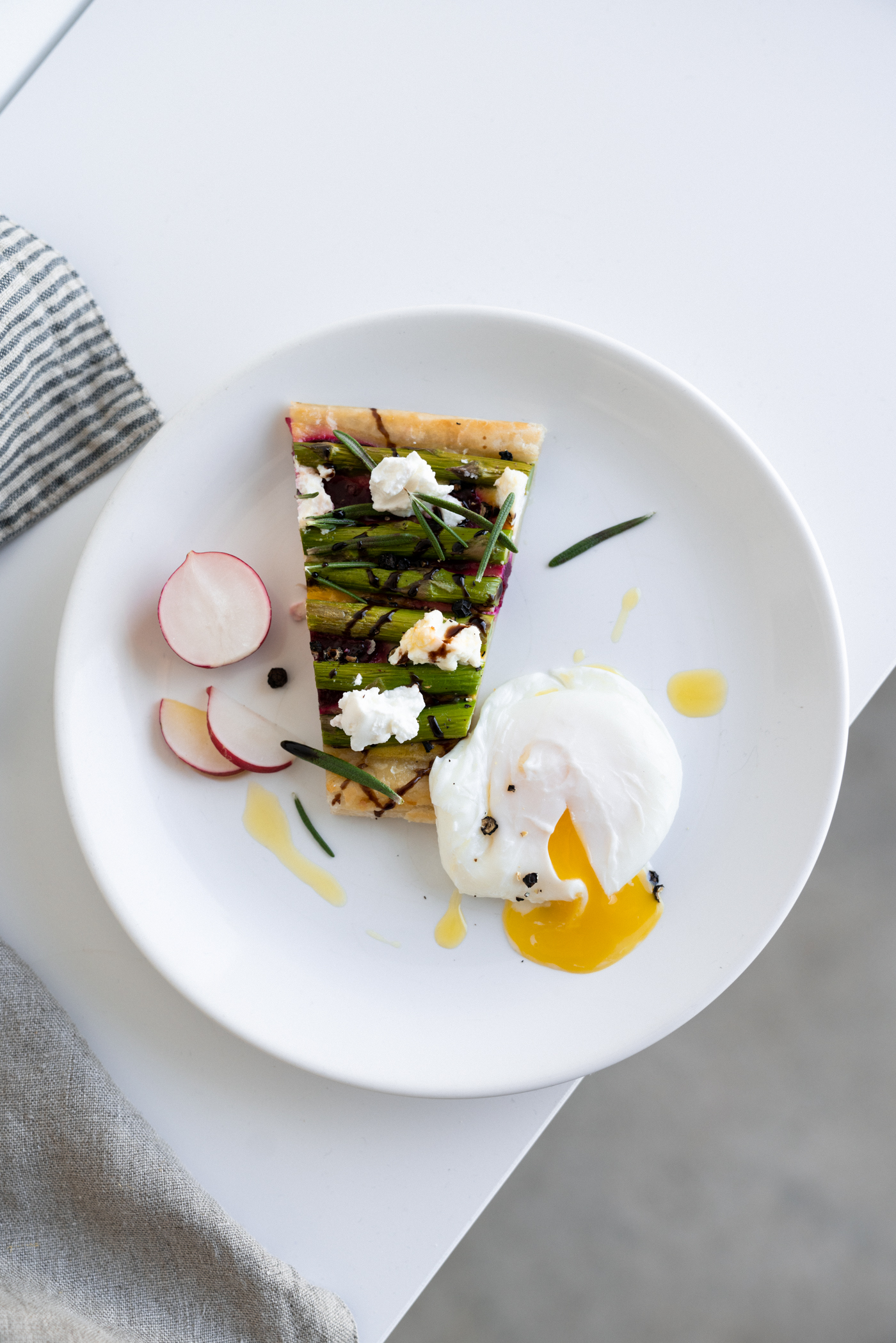 asparagus_beet_and_goat_cheese_tart-4.jpg