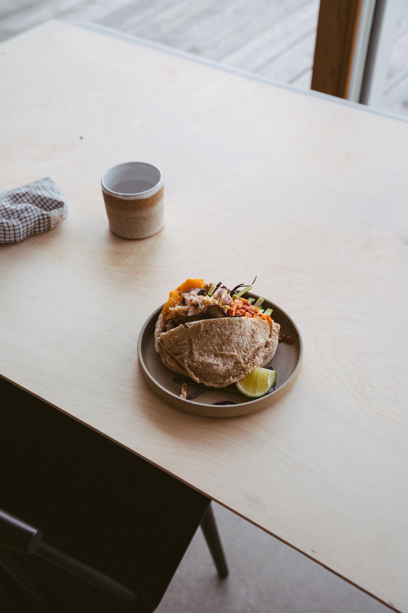 veggie_chicken_pita_sandwich_with_kimchi-4.jpg