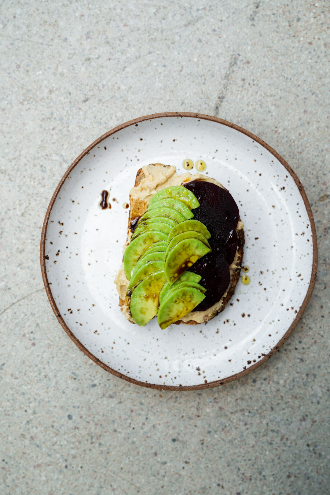 avocado_toast_with_beets_hummus_and_pickled_radishes_SMALLER-7.jpg
