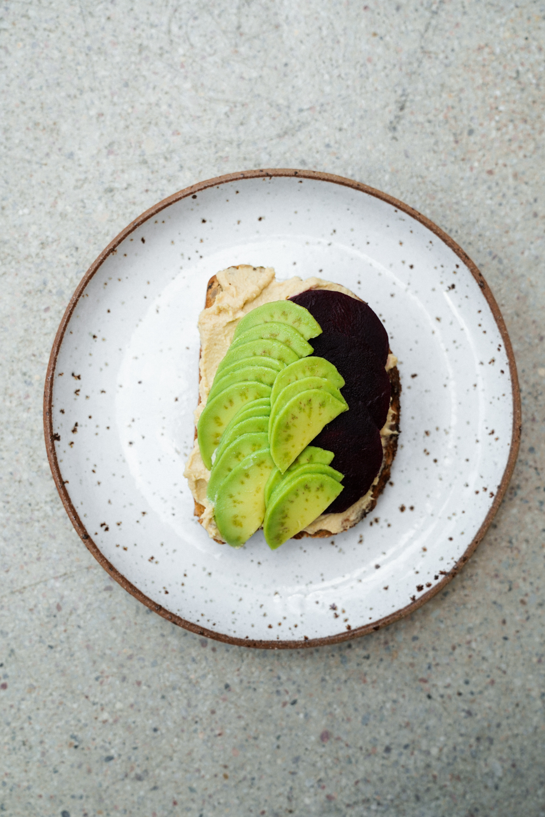 avocado_toast_with_beets_hummus_and_pickled_radishes_SMALLER-6.jpg