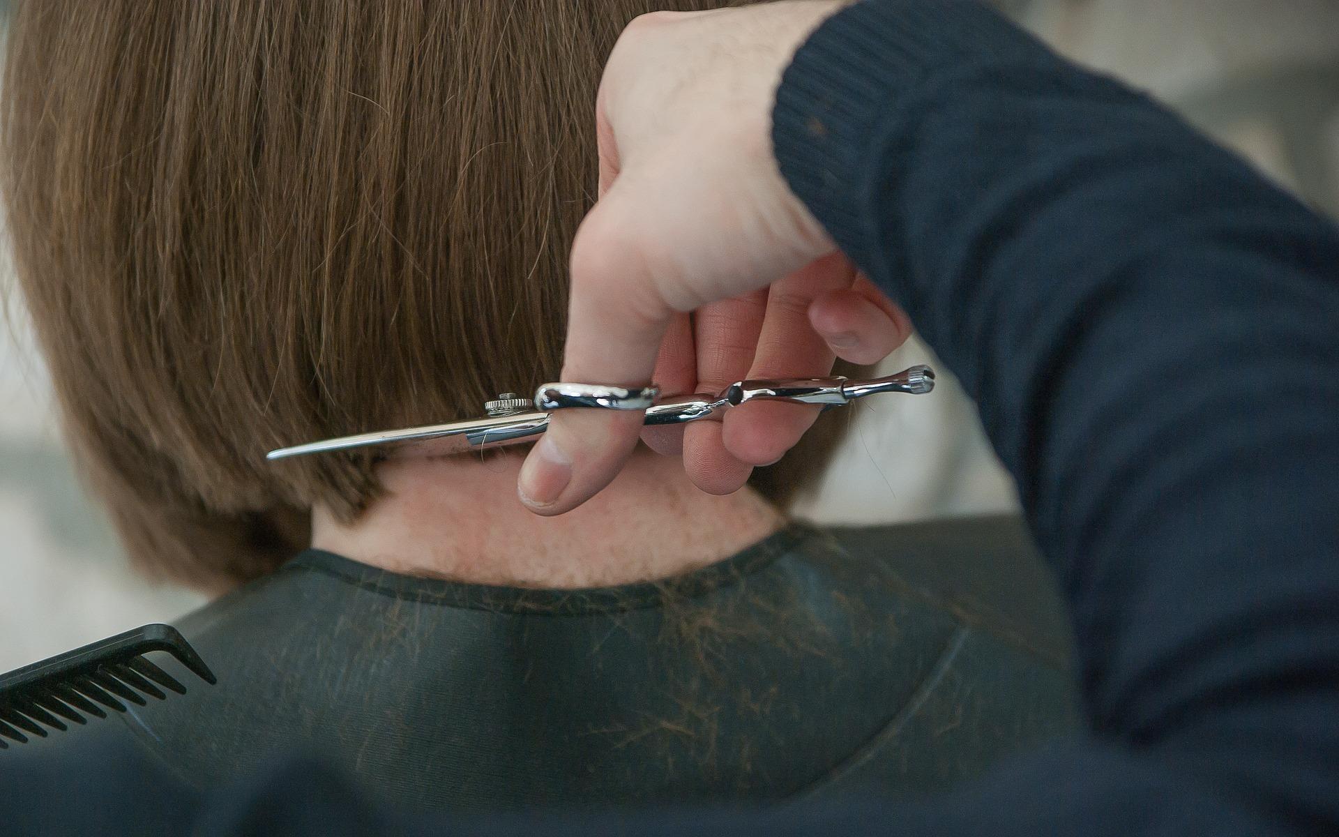 hairdresser-3173438_1920.jpg