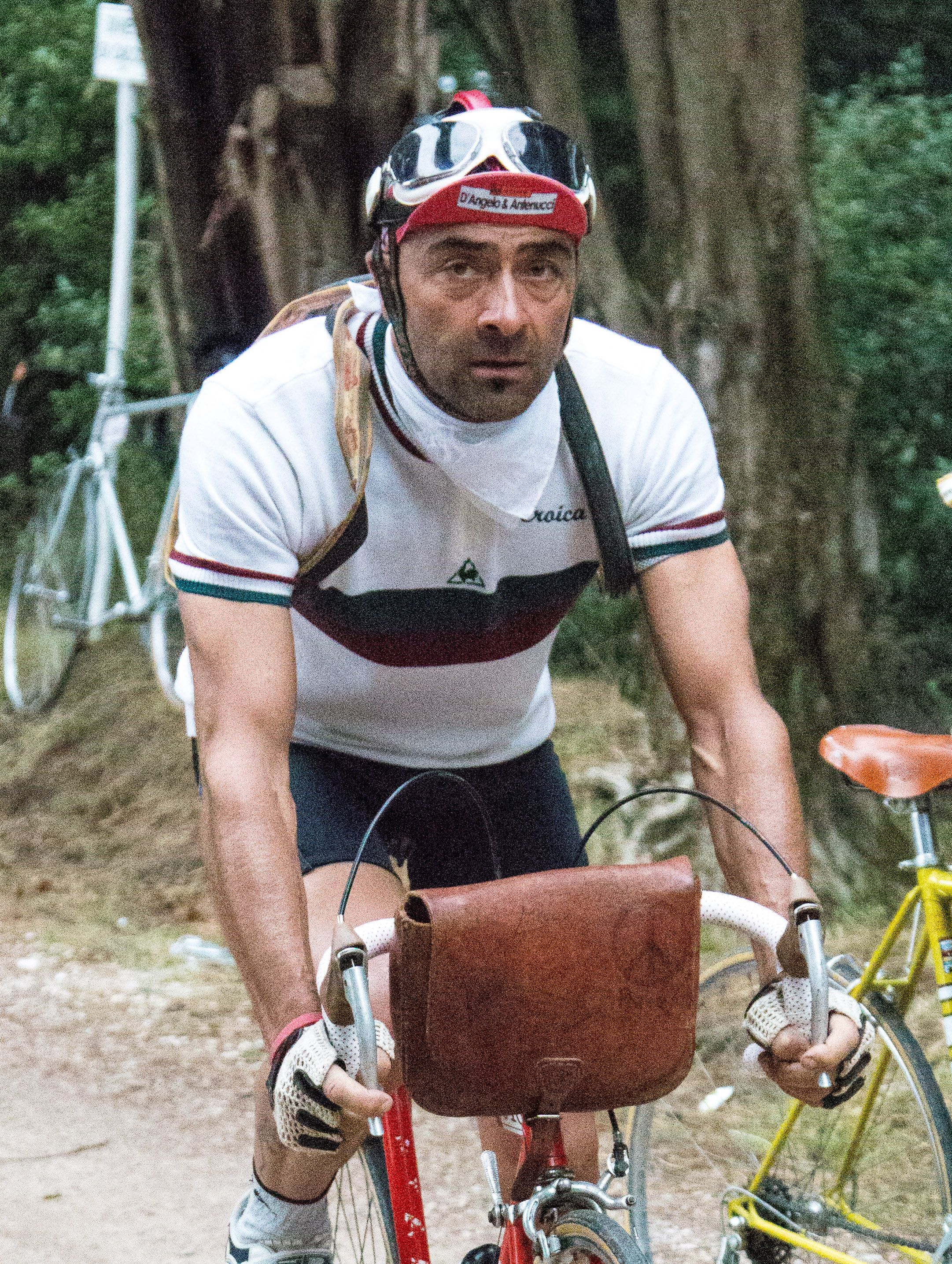 Descending the strade bianche