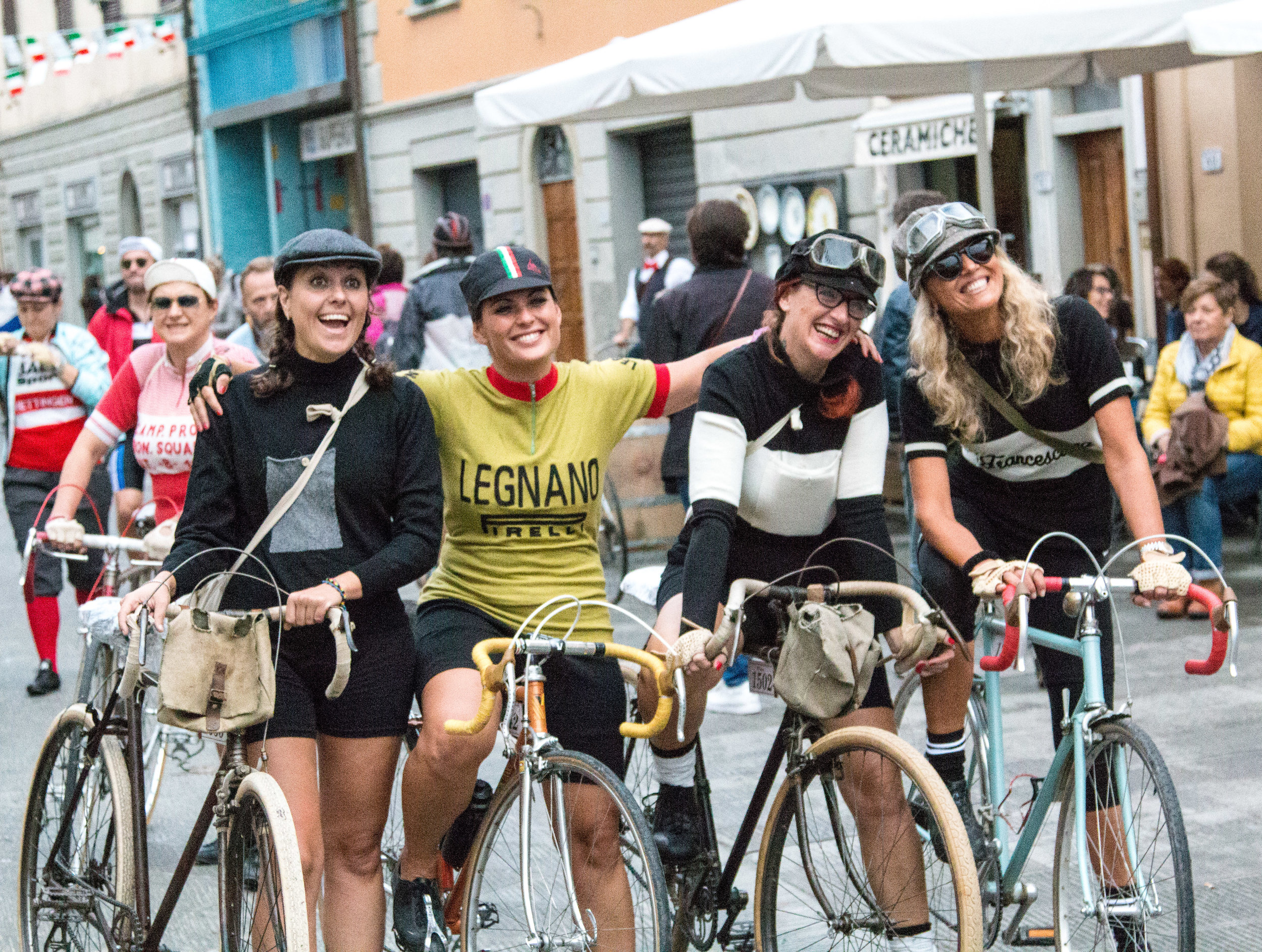 Women at L'Eroica!