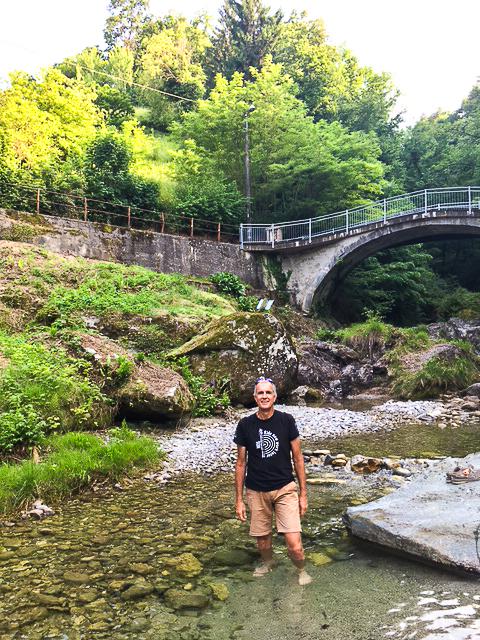 Post-ride soak in the creek behind Il Perlo.