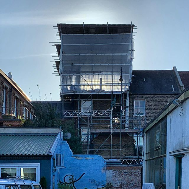 Scaffold sunrise. #architect #london #eastdulwich #riba #lordshiplane #sunrise