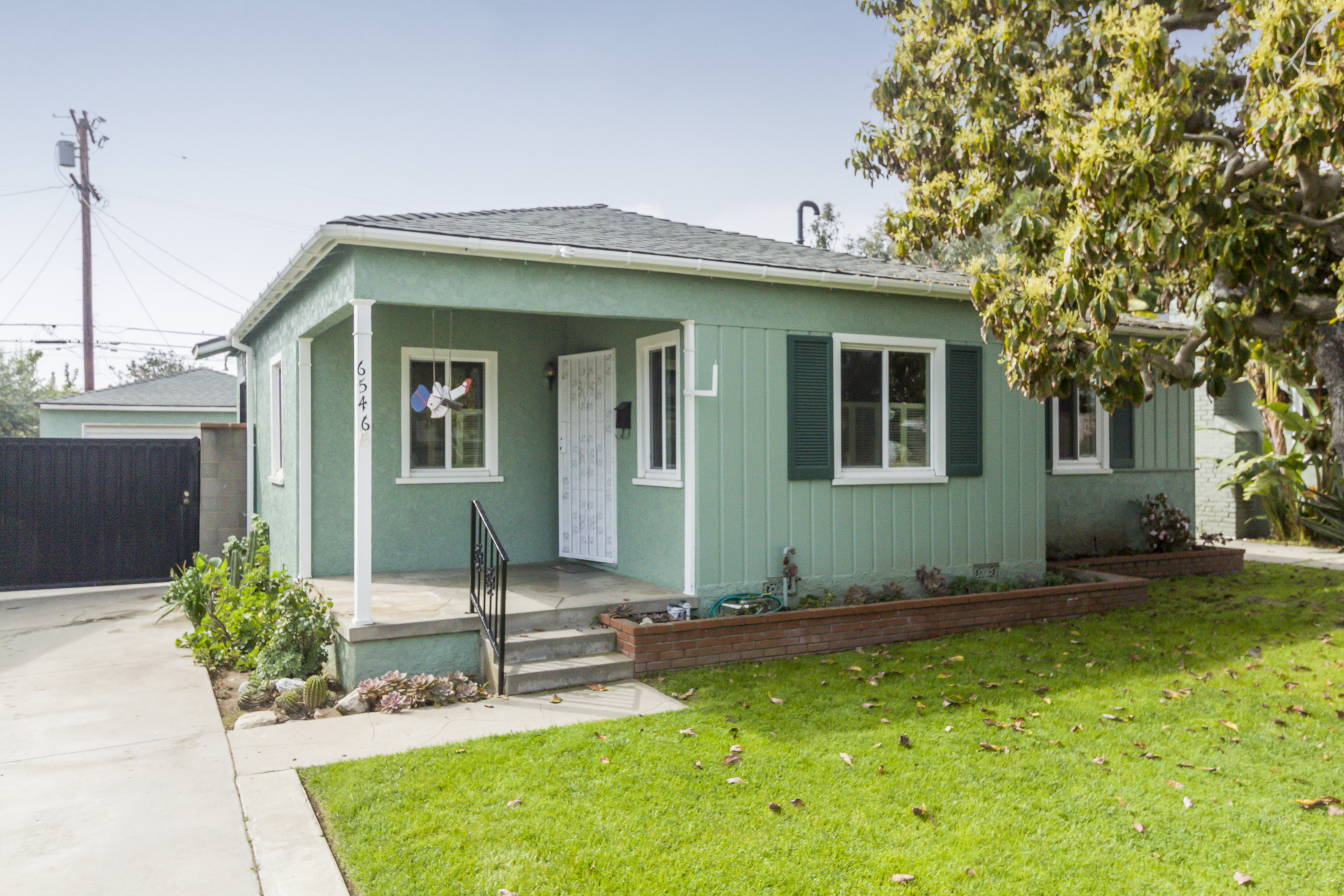 6546 W 84th Pl | Westchester | Offered at $925,000