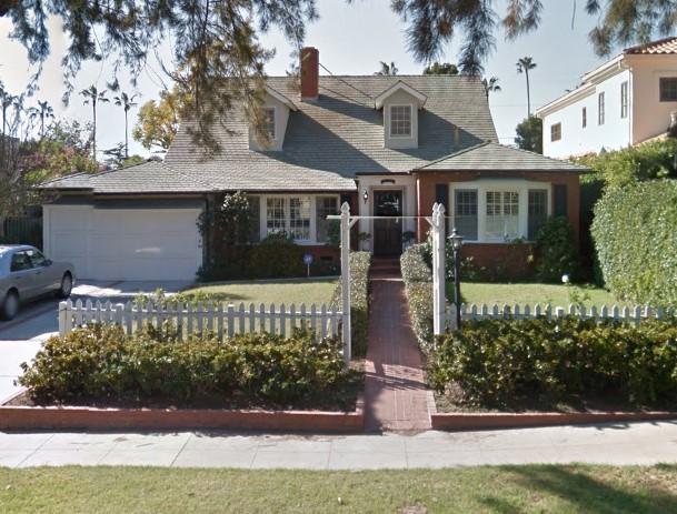 434 21st Pl | Santa Monica | Offered at $11,500 per month