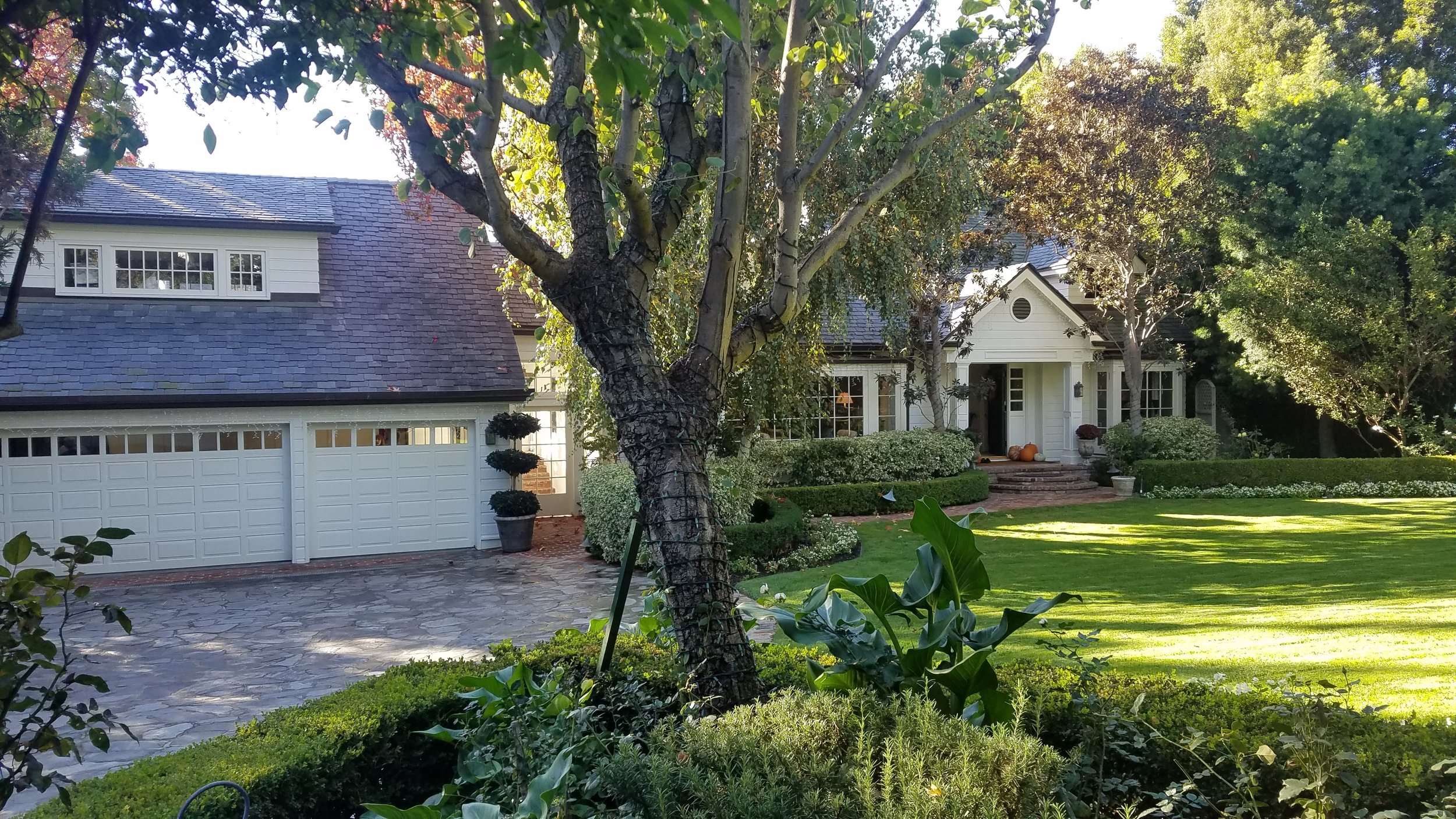 245 S Burlingame Ave | Brentwood | Offered at $6,995,000