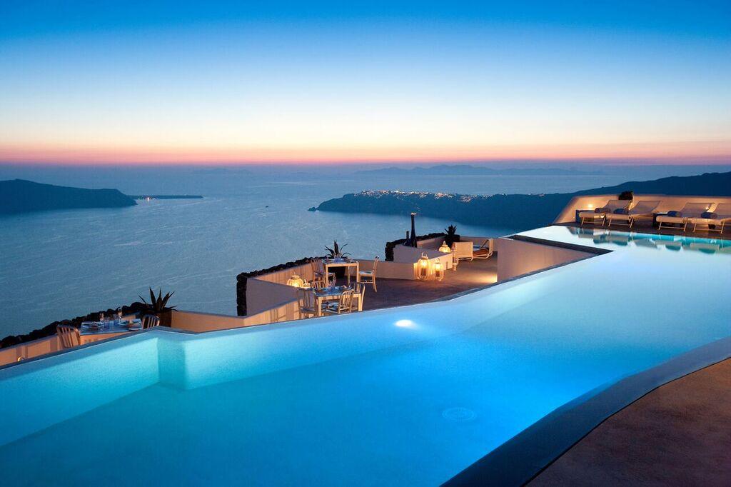 Oia-Santorini-4-1.jpg