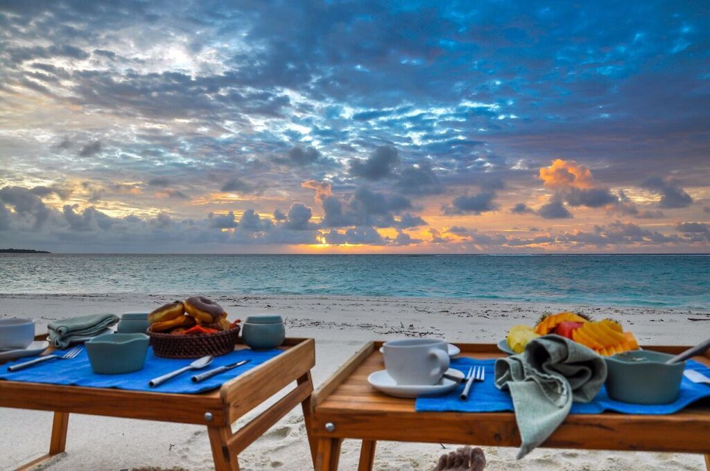 SunriseBreakfast_Soneva.jpg