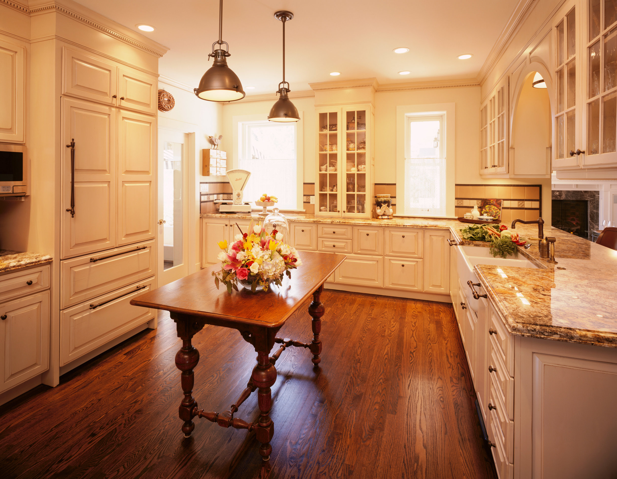 Classic_Revival_High_Street_Kitchen_02.jpg