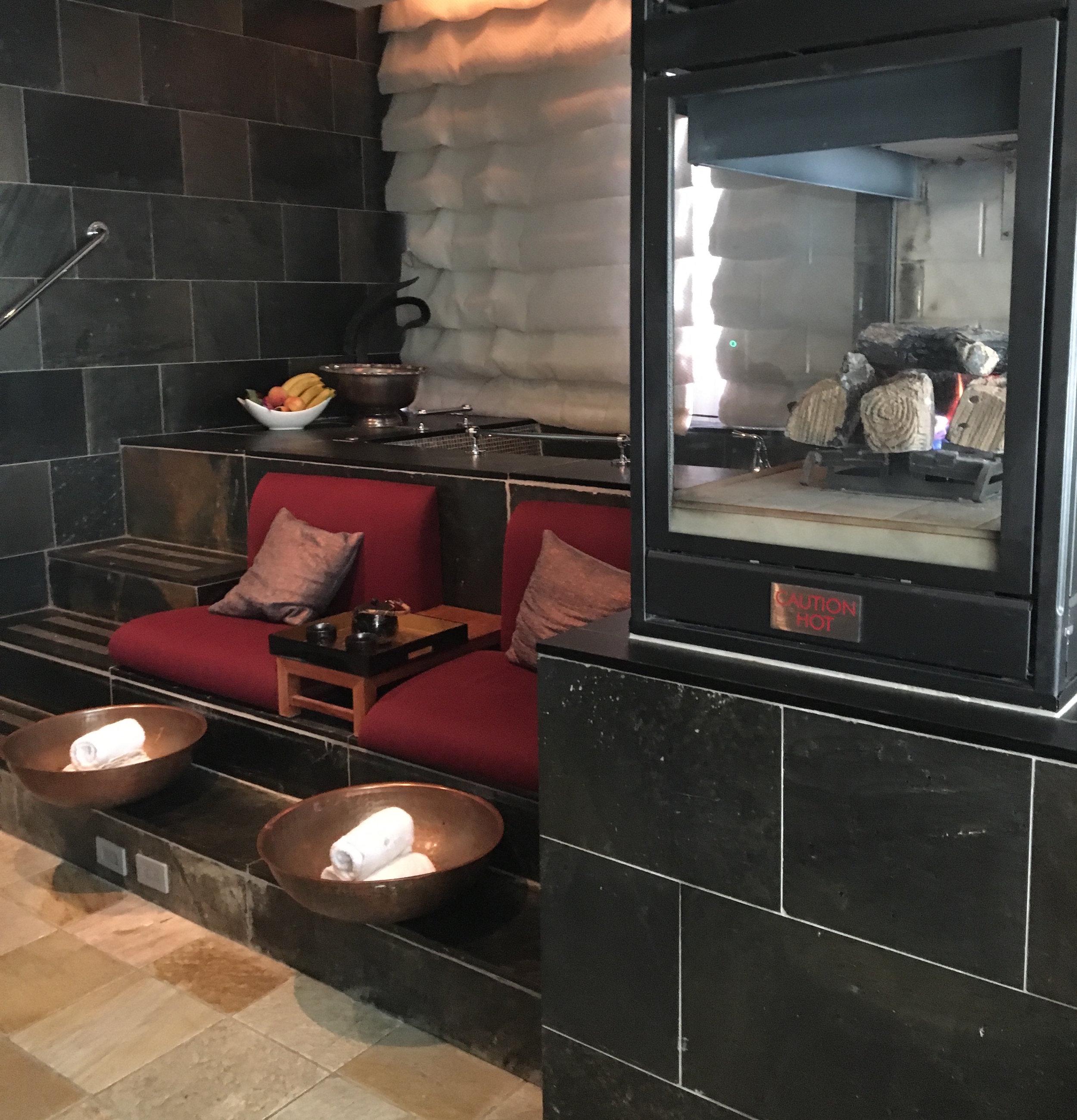 mandarin spa couples suite