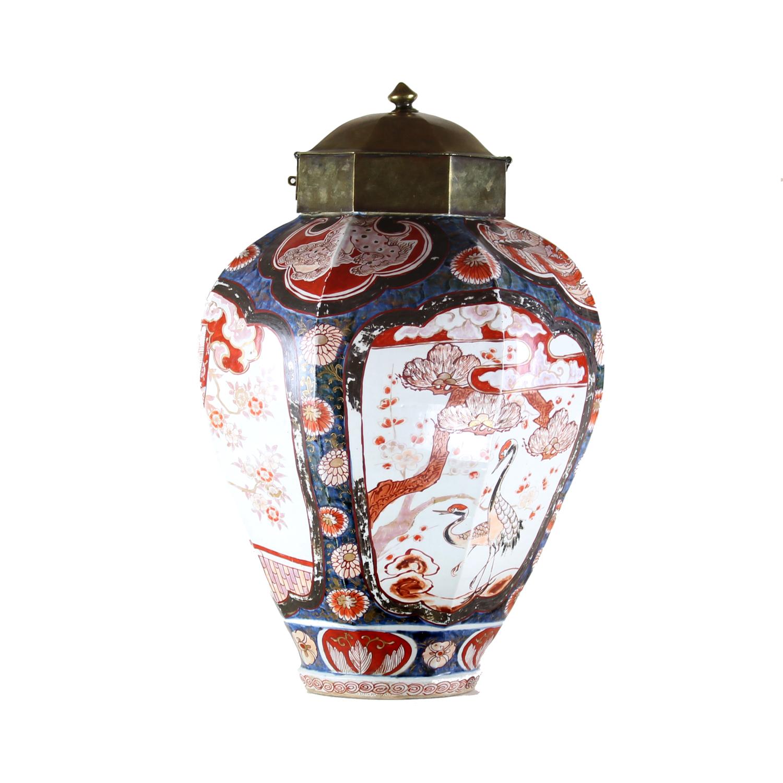 Japanese 18th century Imari brass mounted treasure case