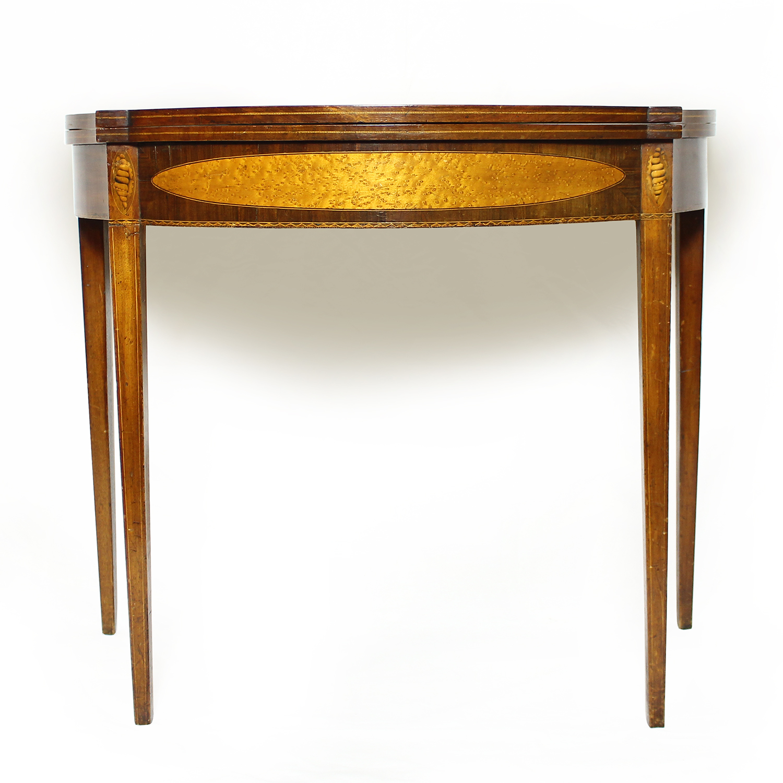 American possibly Salem Massachusetts Hepplewhite mahogany and veneer card table