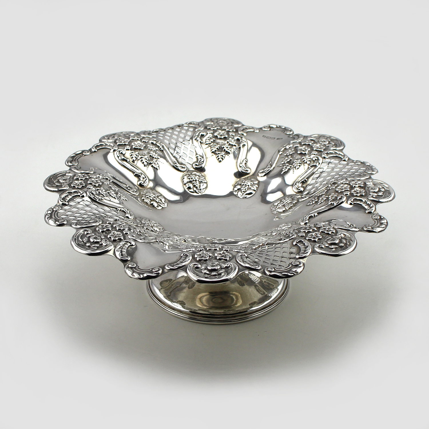 Sterling silver footed bowl, Sheffield 1907