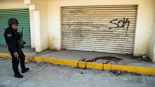 Oct. 31st, 2017: Murder scene in the neighborhood of Zapata in Acapulco, Mexico- The murder-capital of Mexico for the second year in a row #murder #asesinados #acapulco #mexico #diademuertos #dayofthedead #narcos #reportage