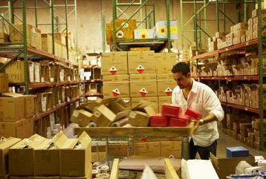 warehouse_worker.jpg