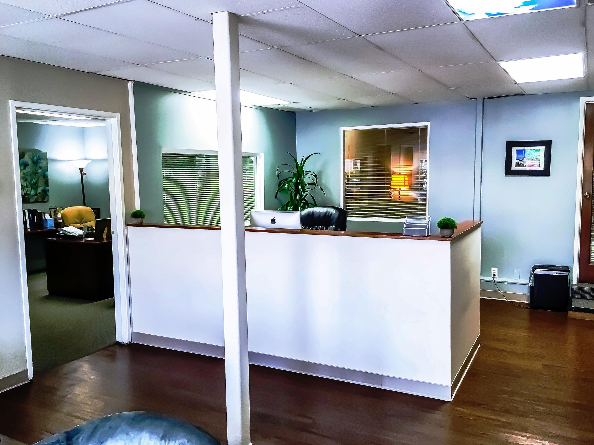 Receptionist Desk2.JPEG