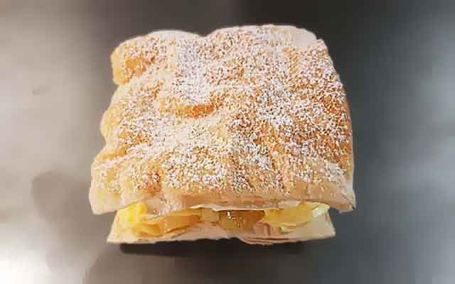 apple-custard-strudel.jpg