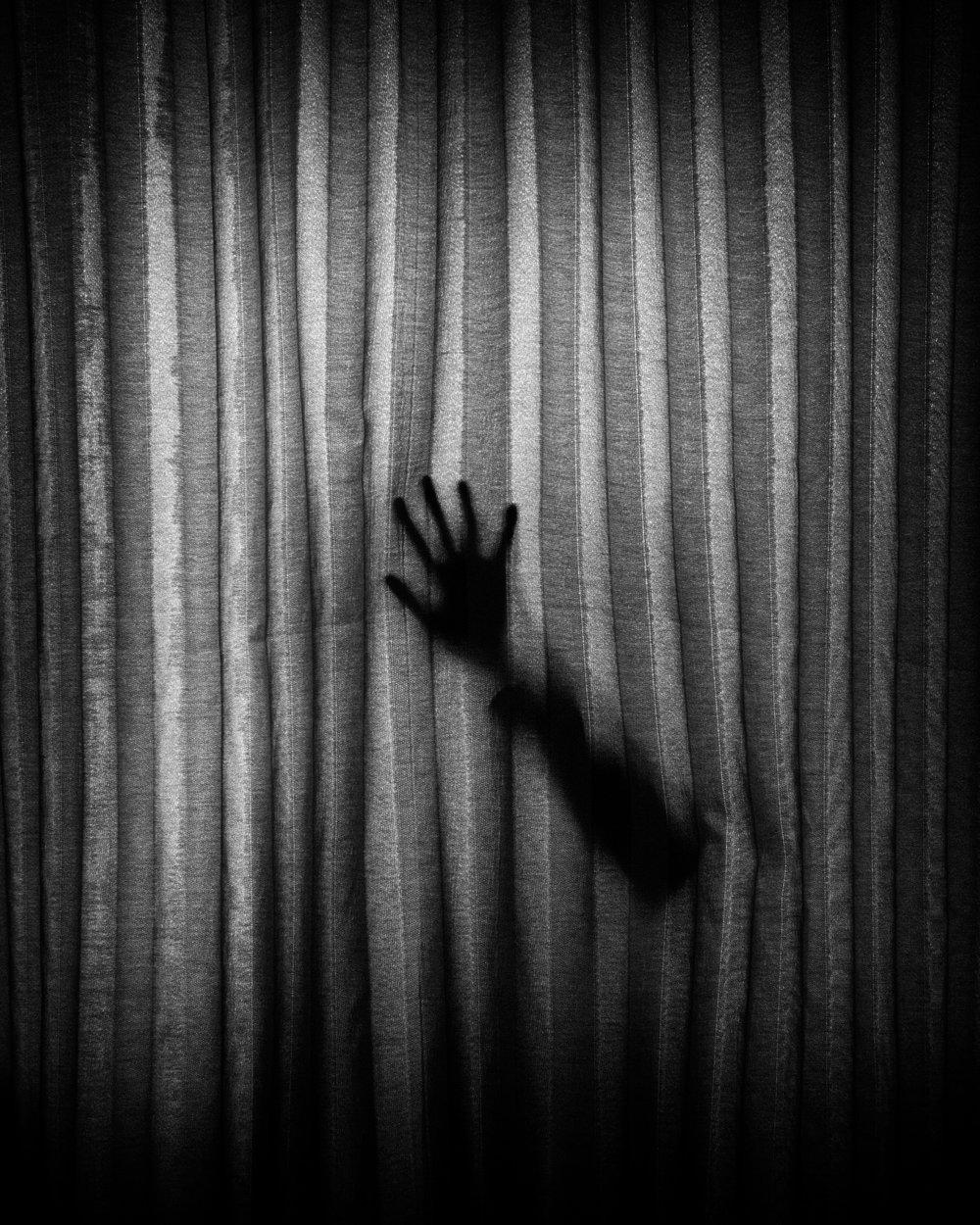 darkness-372434.jpg