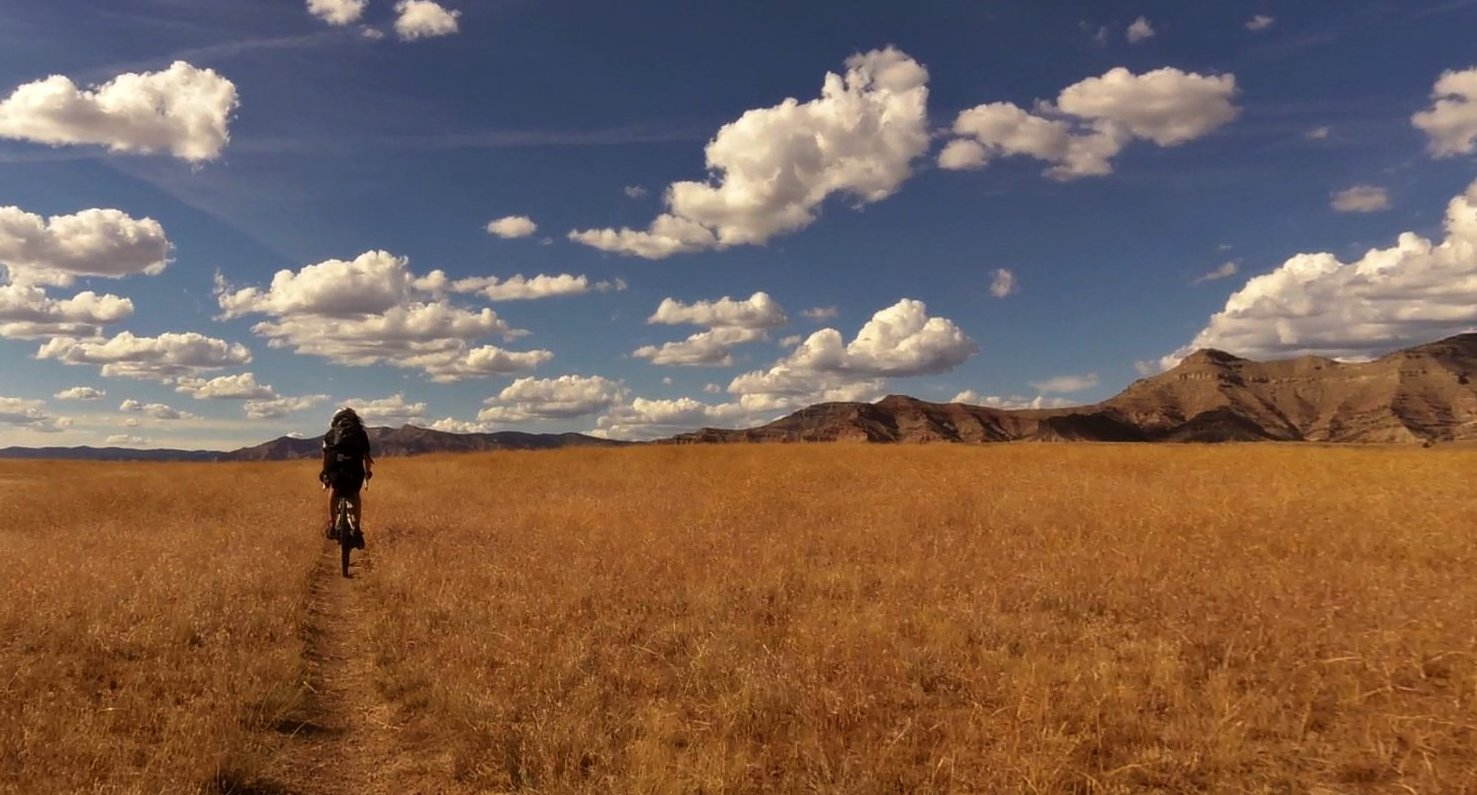 Riding-to-the-hills-photo-Rob-Vandermark.jpg
